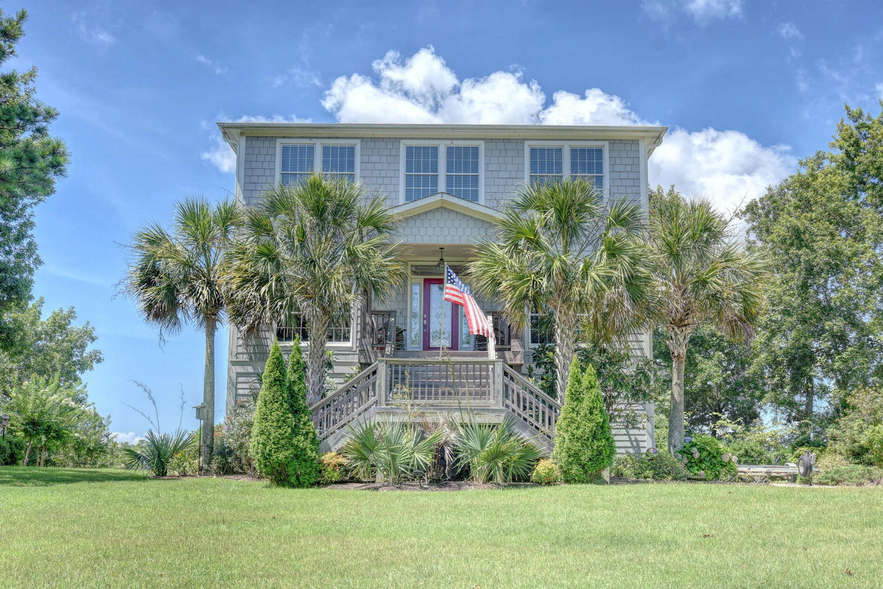 Single Family Home for Active at A Boater's Paradise on the Carolina Coast 380 S Kingfisher Lane Hampstead, North Carolina 28443 United States