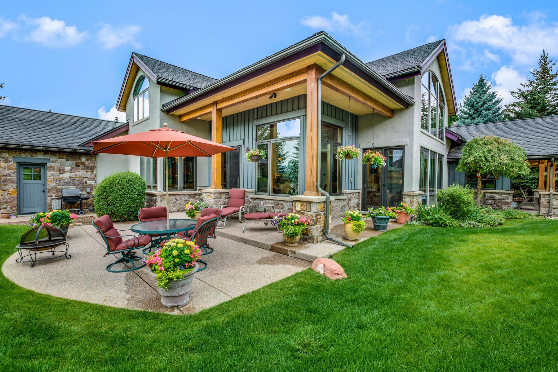 Single Family Home for Sale at Charming Mountain Home with Fairway Views 118 Kingfisher Lane Carbondale, Colorado, 81623 United States