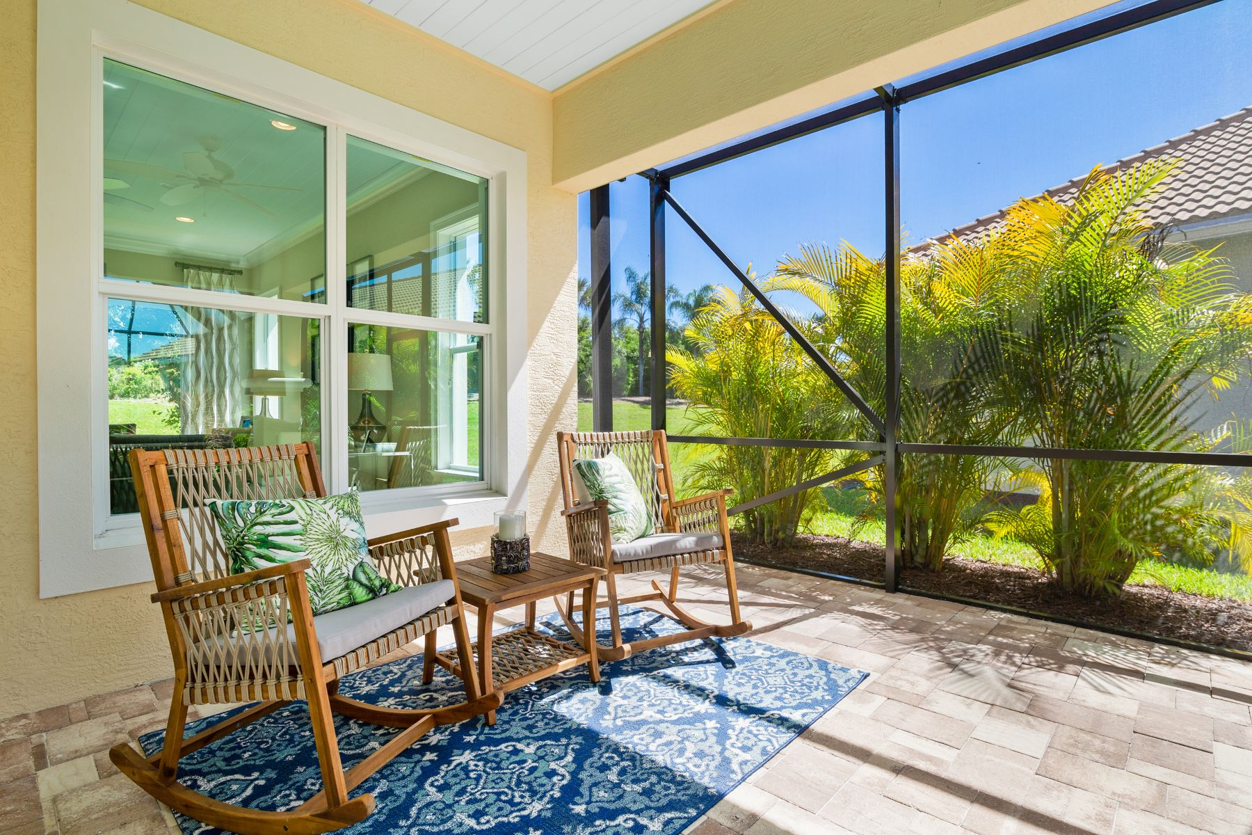 Additional photo for property listing at Courtyard Pool Home 2133 Falls Circle Vero Beach, Florida 32967 United States
