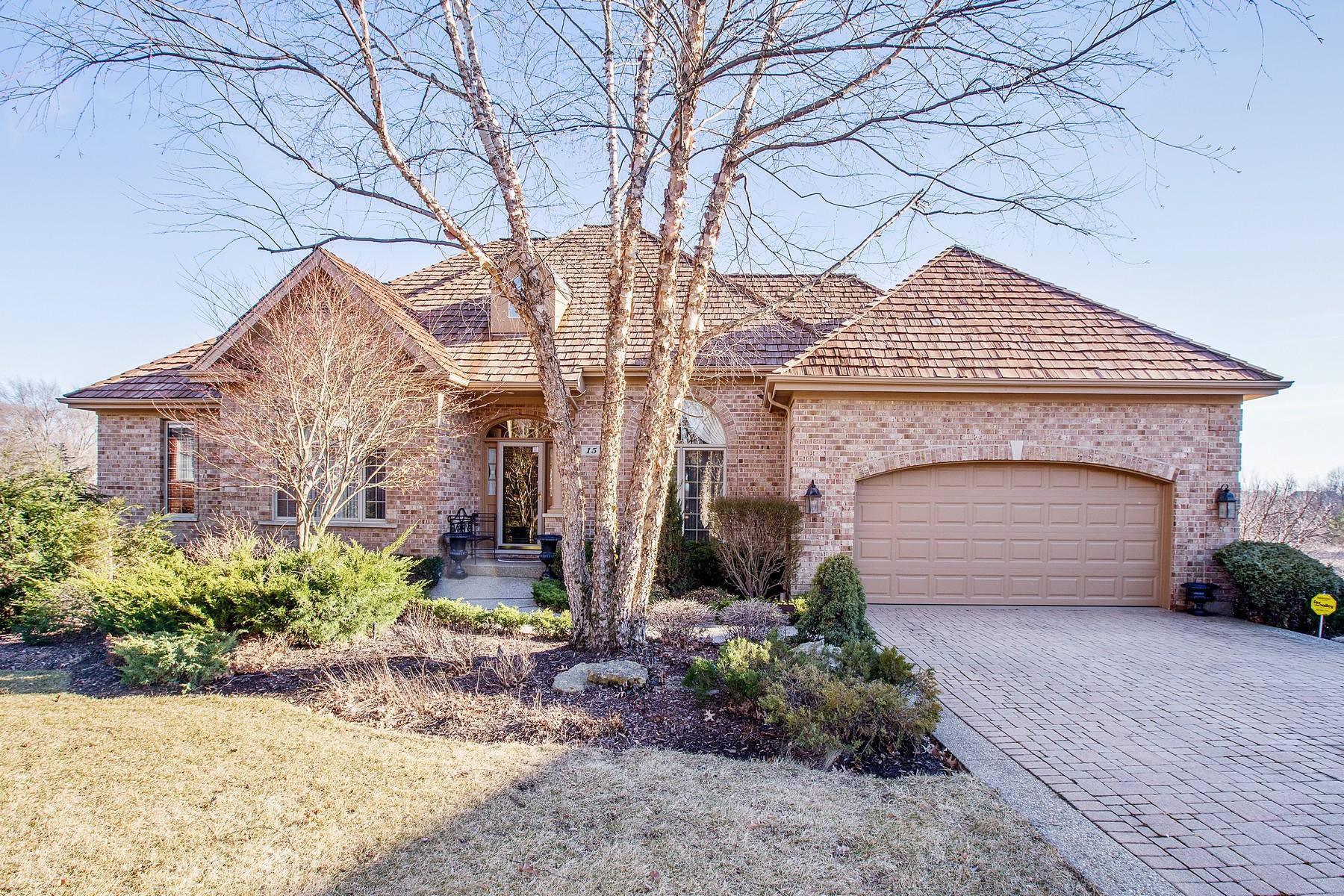 Casa para uma família para Venda às Spectacular Custom Brick Ranch 15 Lochbrook Lane Inverness, Illinois, 60010 Estados Unidos