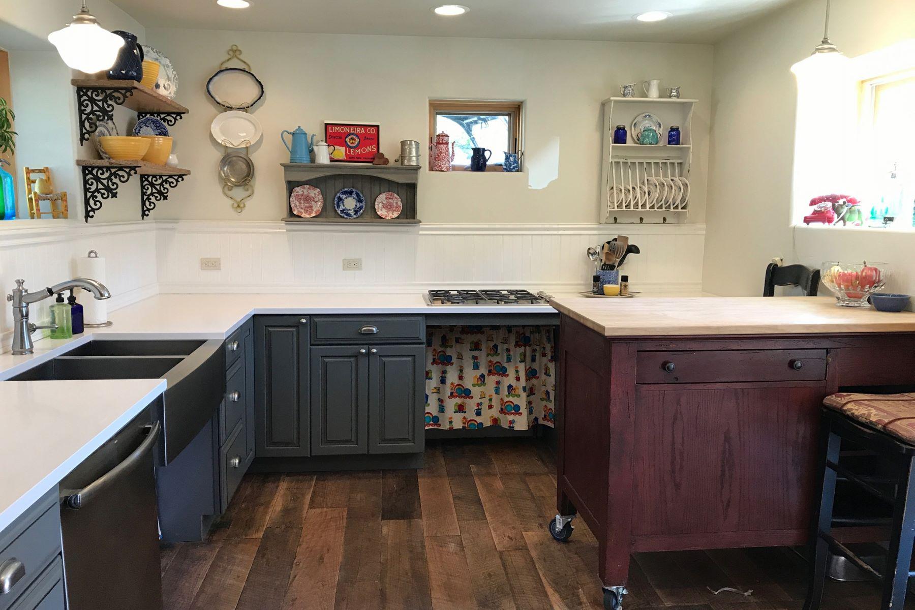 Casa para uma família para Venda às Camp Heart Rock 113 W State Street, Marble, Colorado, 81623 Estados Unidos