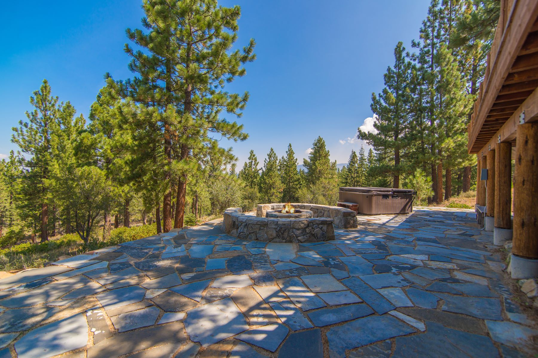 Additional photo for property listing at 13834 Martis Peak Road,Truckee, CA 13834 Martis Peak Road Truckee, California 96161 United States