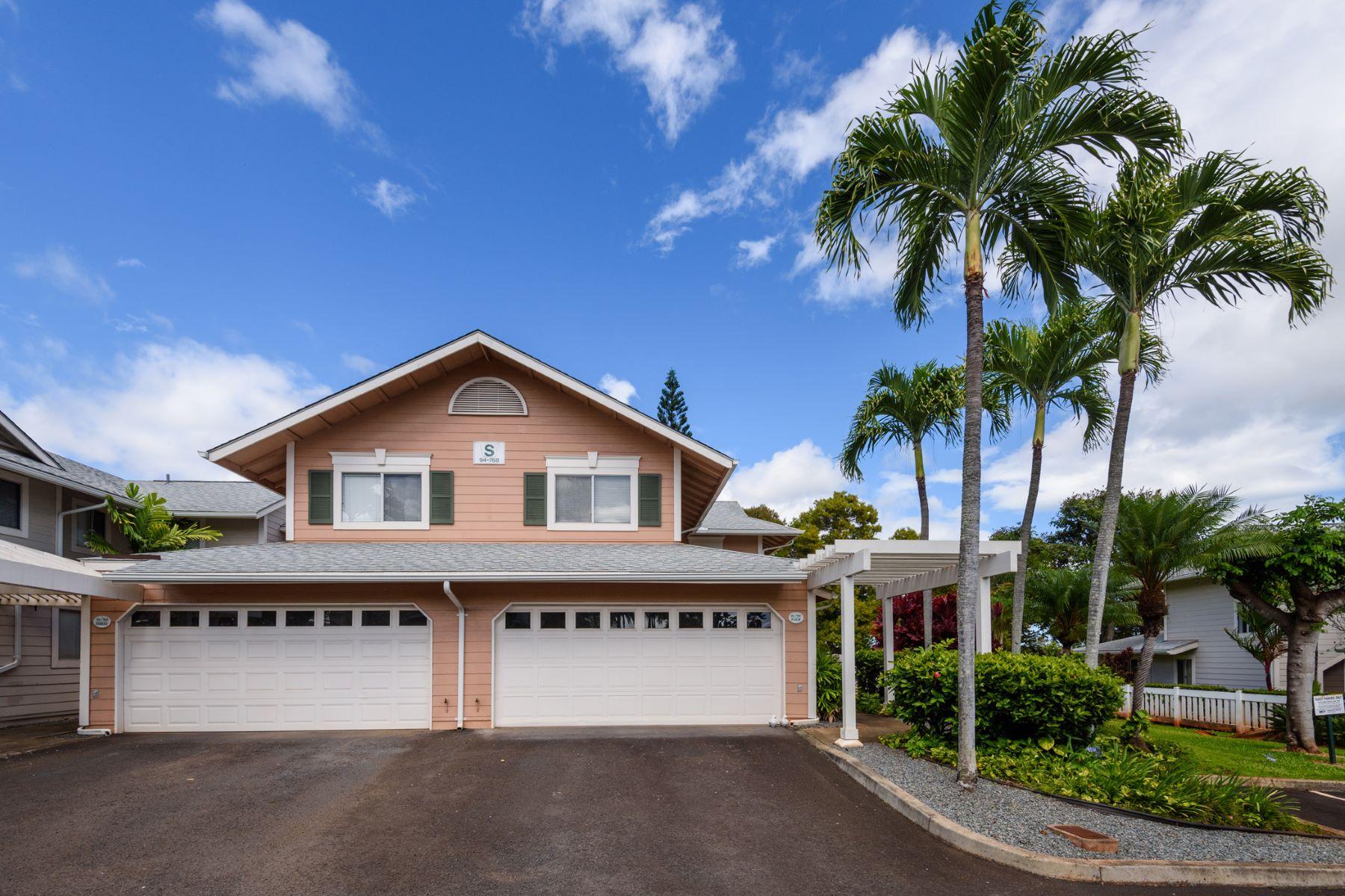 Moradia em banda para Venda às Exceptional Sanctuary 94-768 Lumiauau St #S4 Waikele, Waipahu, Havaí, 96797 Estados Unidos