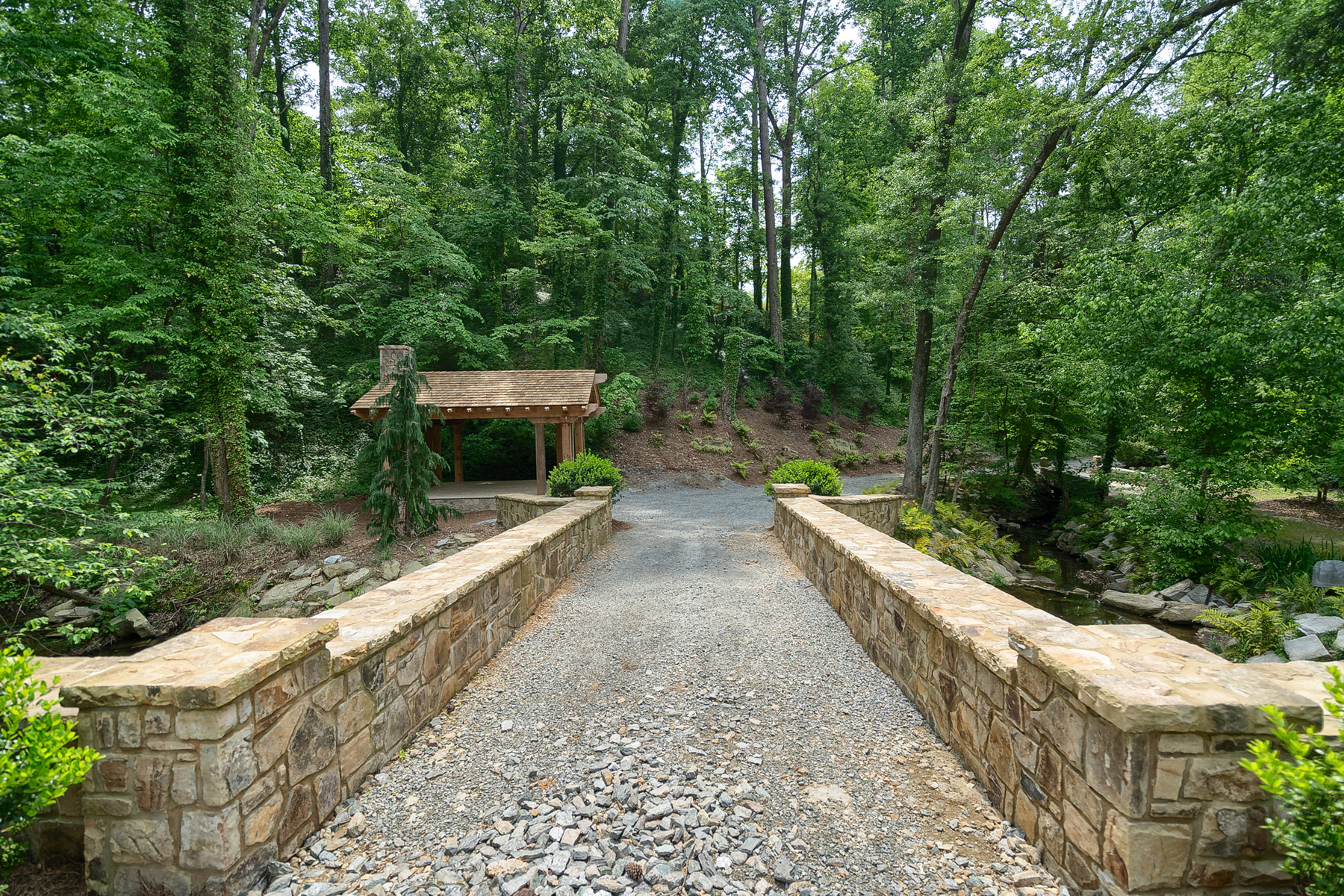 Земля для того Продажа на Beautiful Building Site On 4.23+/- Acre Private Lot 4888 Jett Road Sandy Springs, Джорджия 30327 Соединенные Штаты