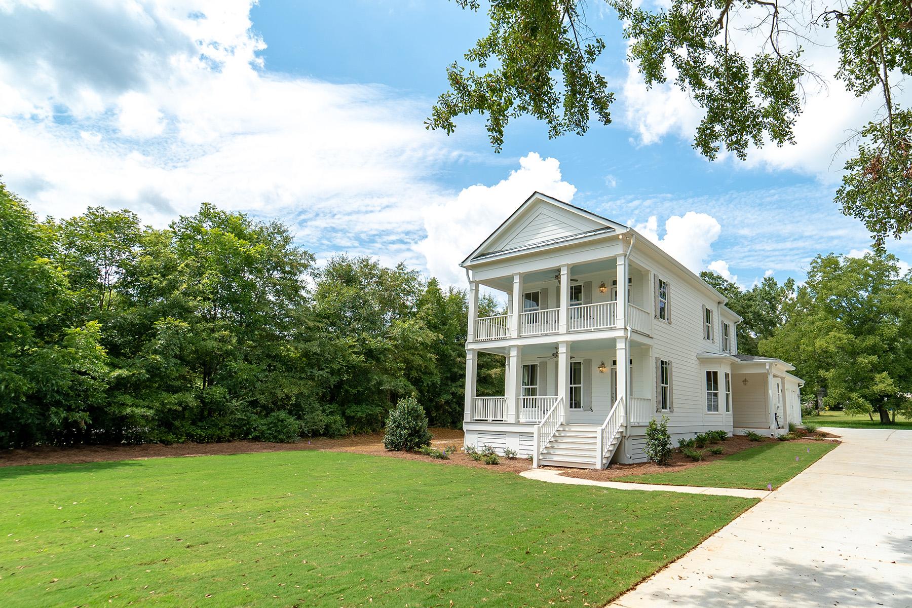 Single Family Homes for Active at Modern Farmhouse in The Historic Town of Senoia 400 Seavy Street Senoia, Georgia 30276 United States