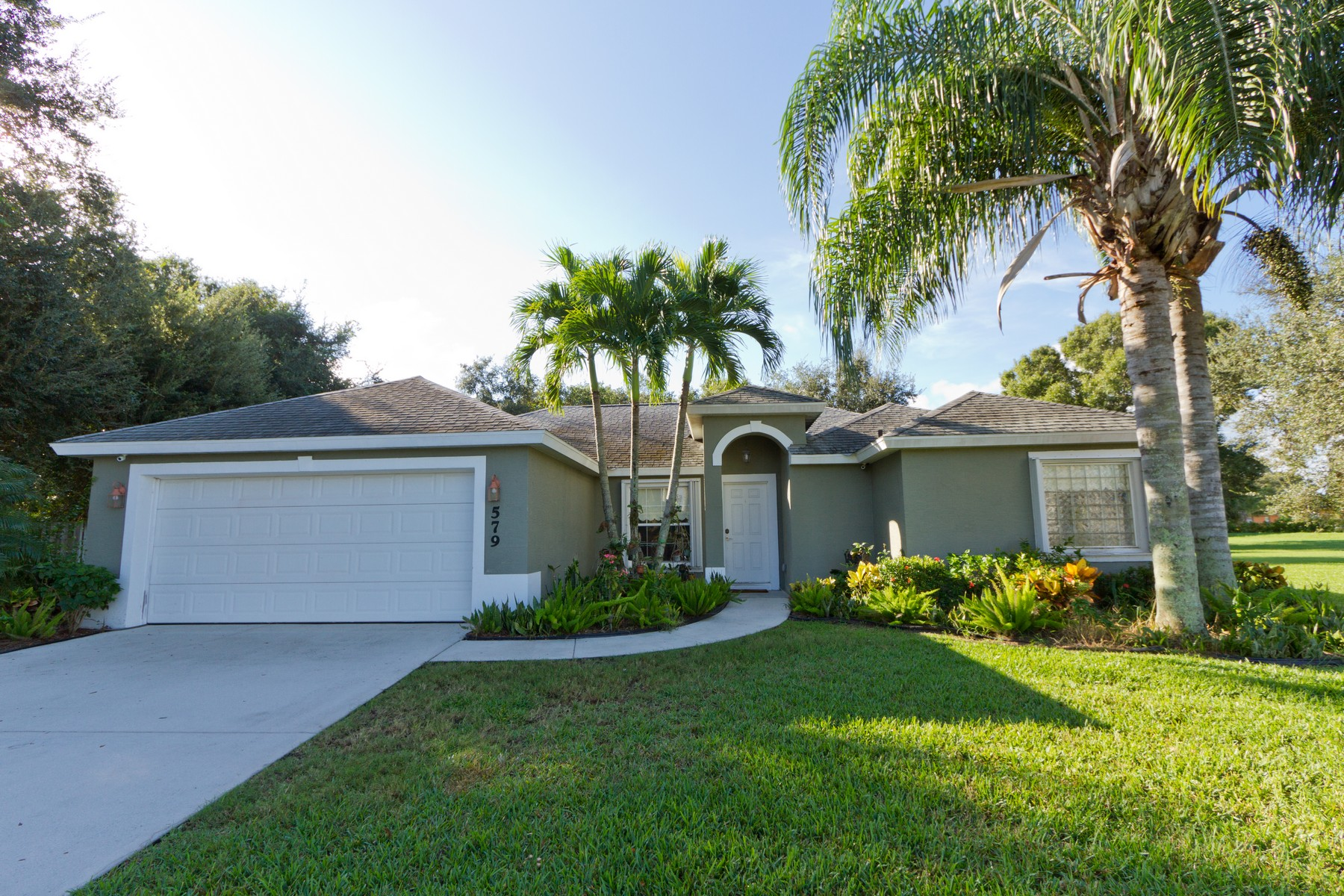 Single Family Homes for Sale at Pool Home within a Quiet Gated Community 579 High Hawk Circle Vero Beach, Florida 32962 United States