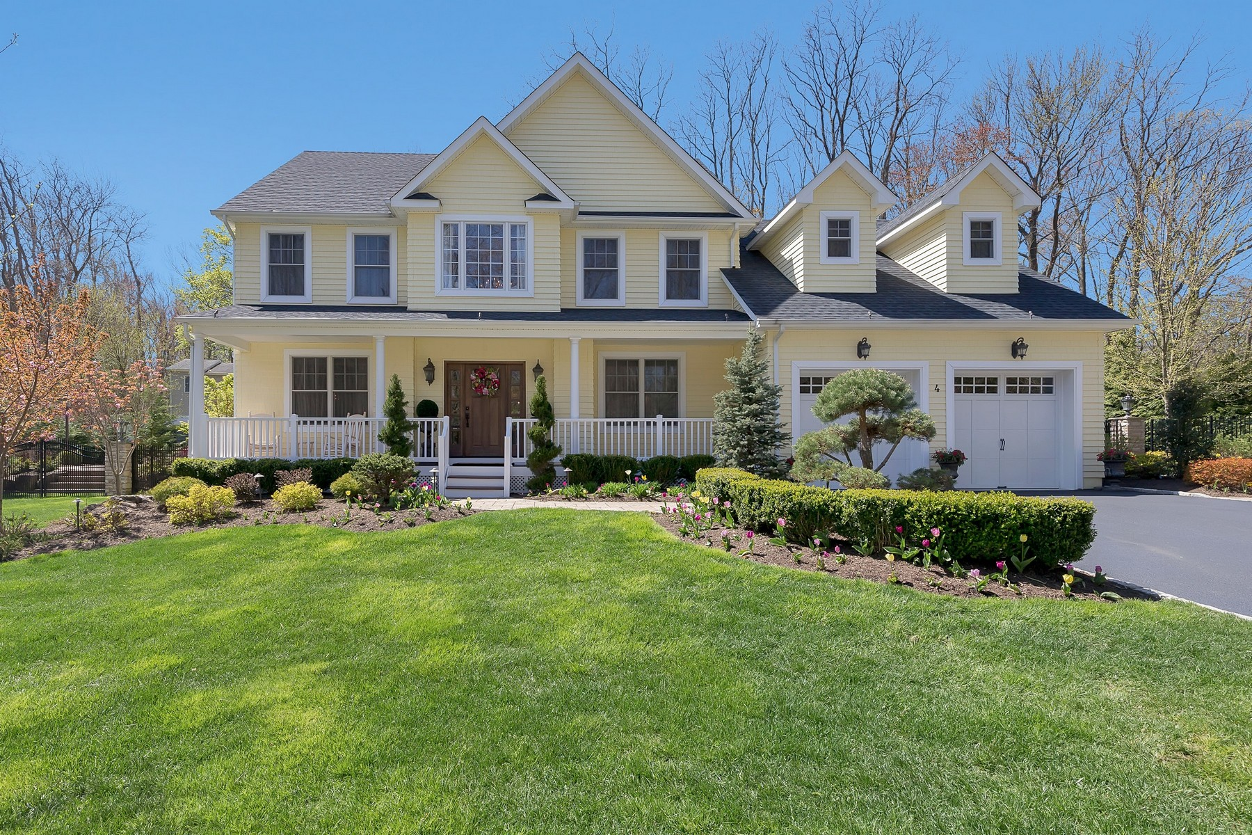 Single Family Home for Sale at 4 Del Ray Ct, Middletown 4 Del Ray Court, Middletown, New Jersey 07748 United States