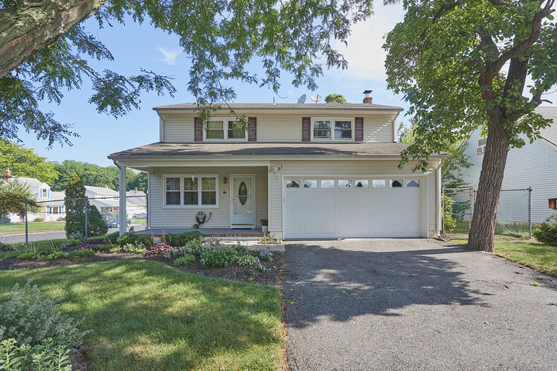 단독 가정 주택 용 매매 에 18 Lisa Dr., Hazlet Hazlet, 뉴저지, 07730 미국