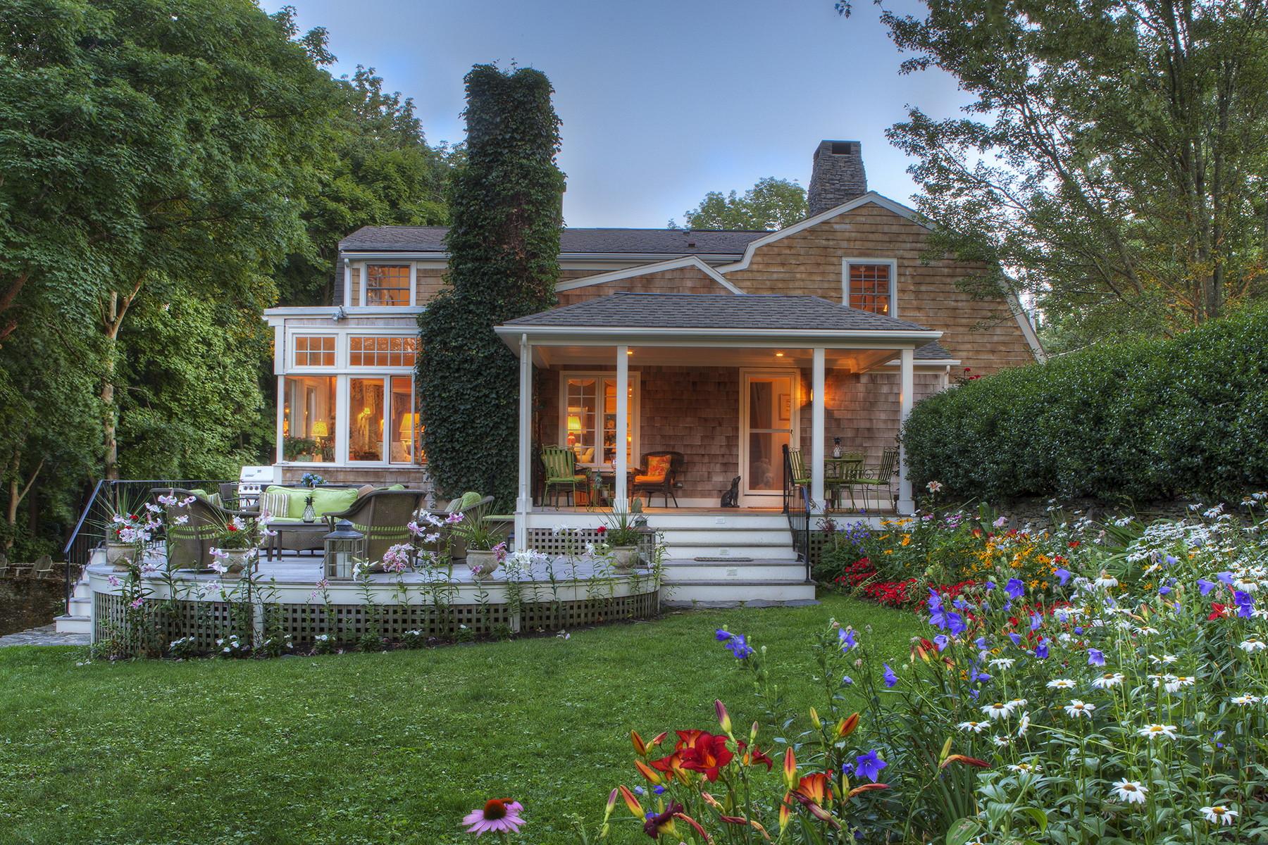single family homes voor Verkoop op Mintwater Brook 96 Glen Farm Road, Portsmouth, Rhode Island 02871 Verenigde Staten