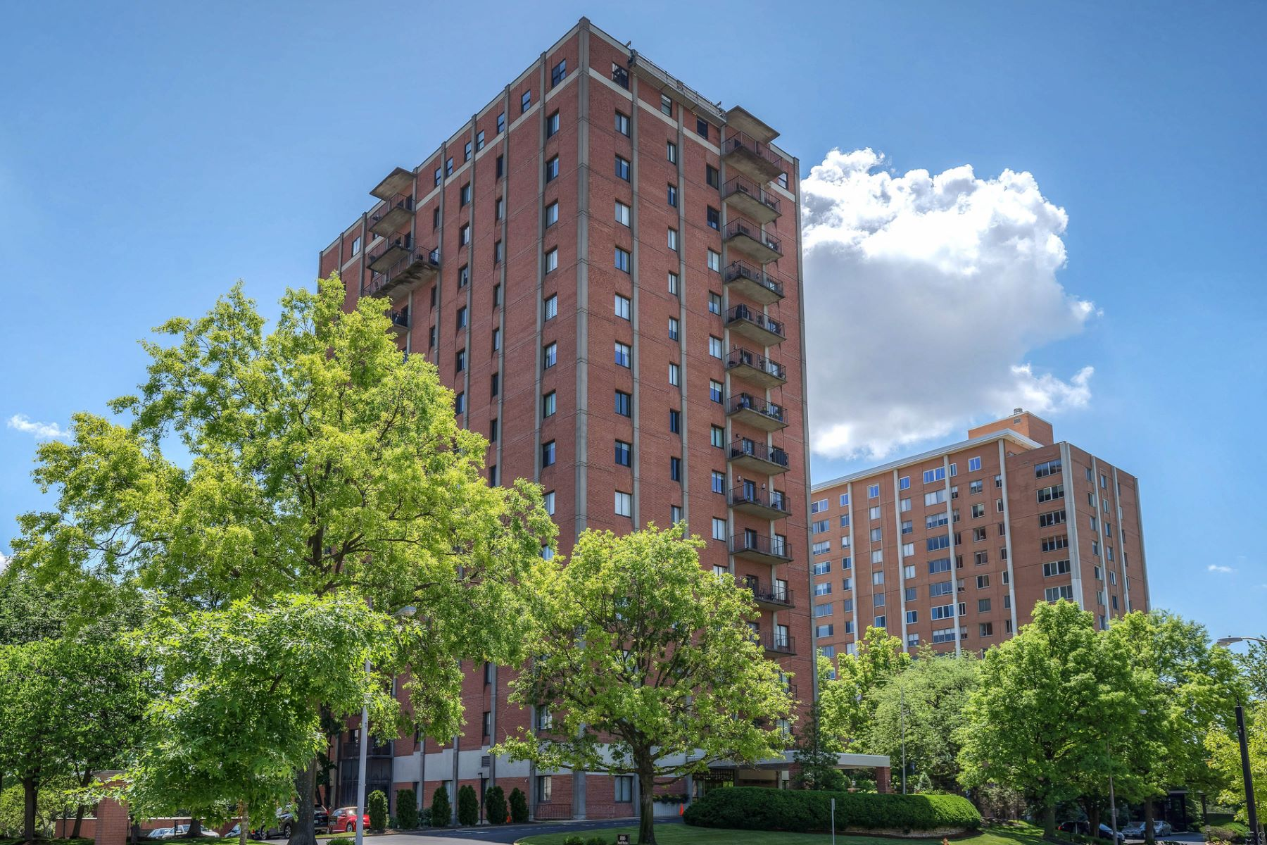Condominium for Sale at South Hanley 816 South Hanley # 7A Clayton, Missouri 63105 United States