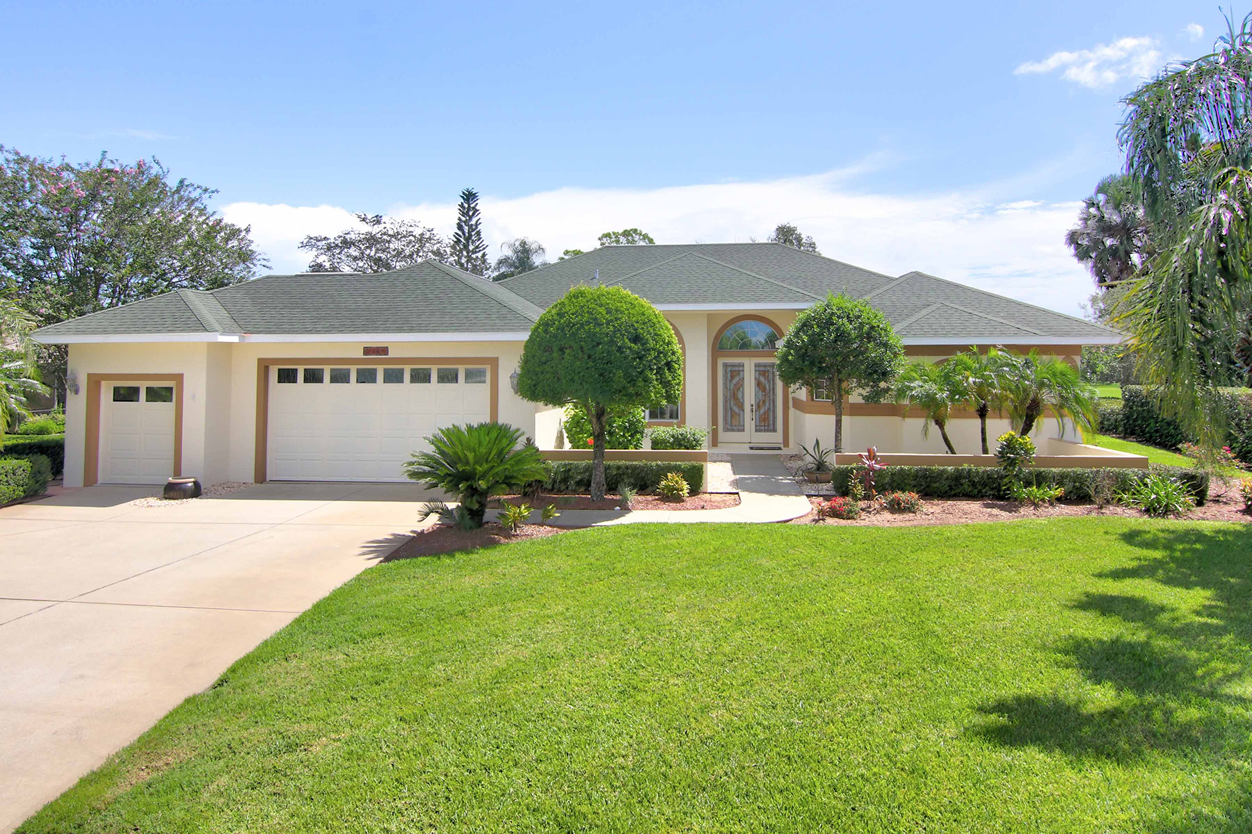 Single Family Home for Sale at 1864 Seclusion Dr , Port Orange, FL 32128 1864 Seclusion Dr Port Orange, Florida 32128 United States