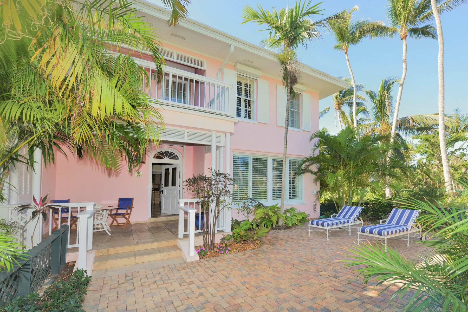 Maison en rangée pour l Vente à 8 Lyford Mews Lyford Cay, New Providence/Nassau, Bahamas
