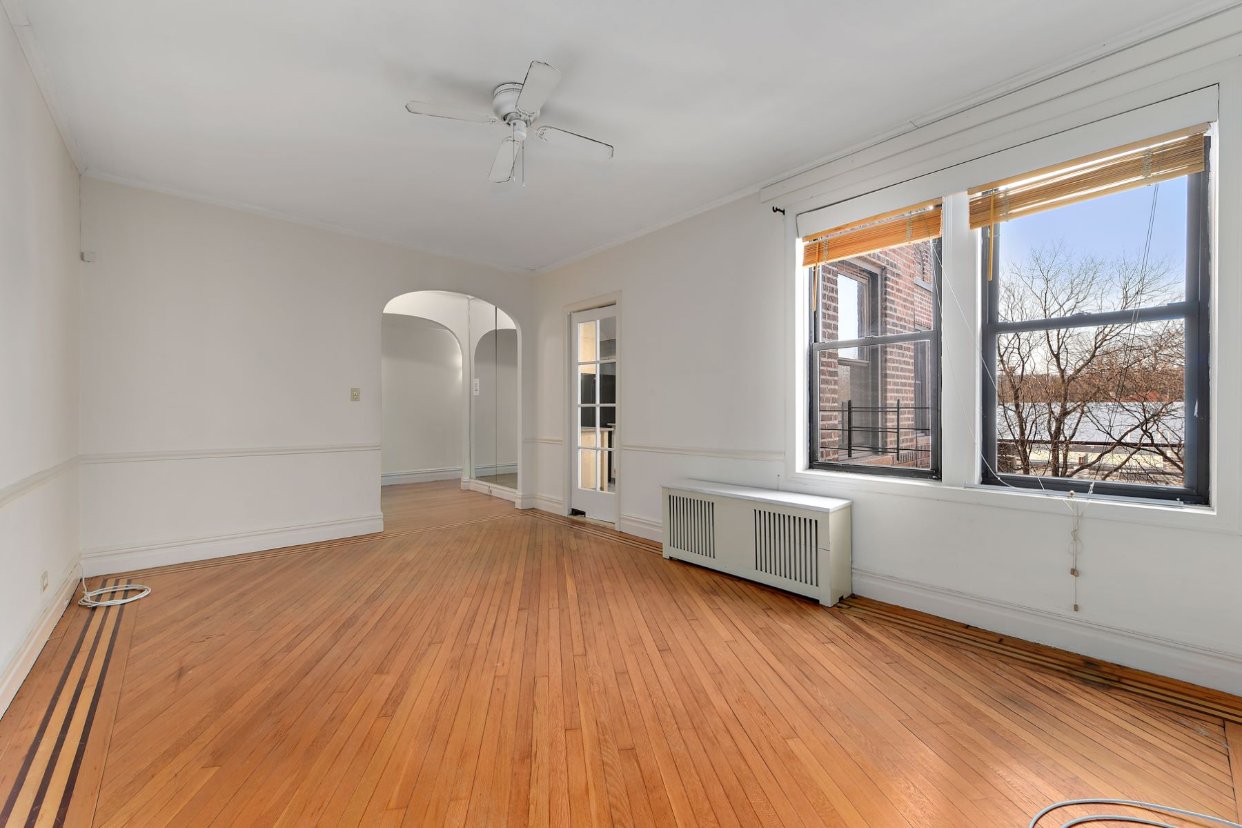 Co-op for Sale at Large Prewar One Bedroom 4410 Cayuga Avenue 6G, Riverdale, New York, 10471 United States