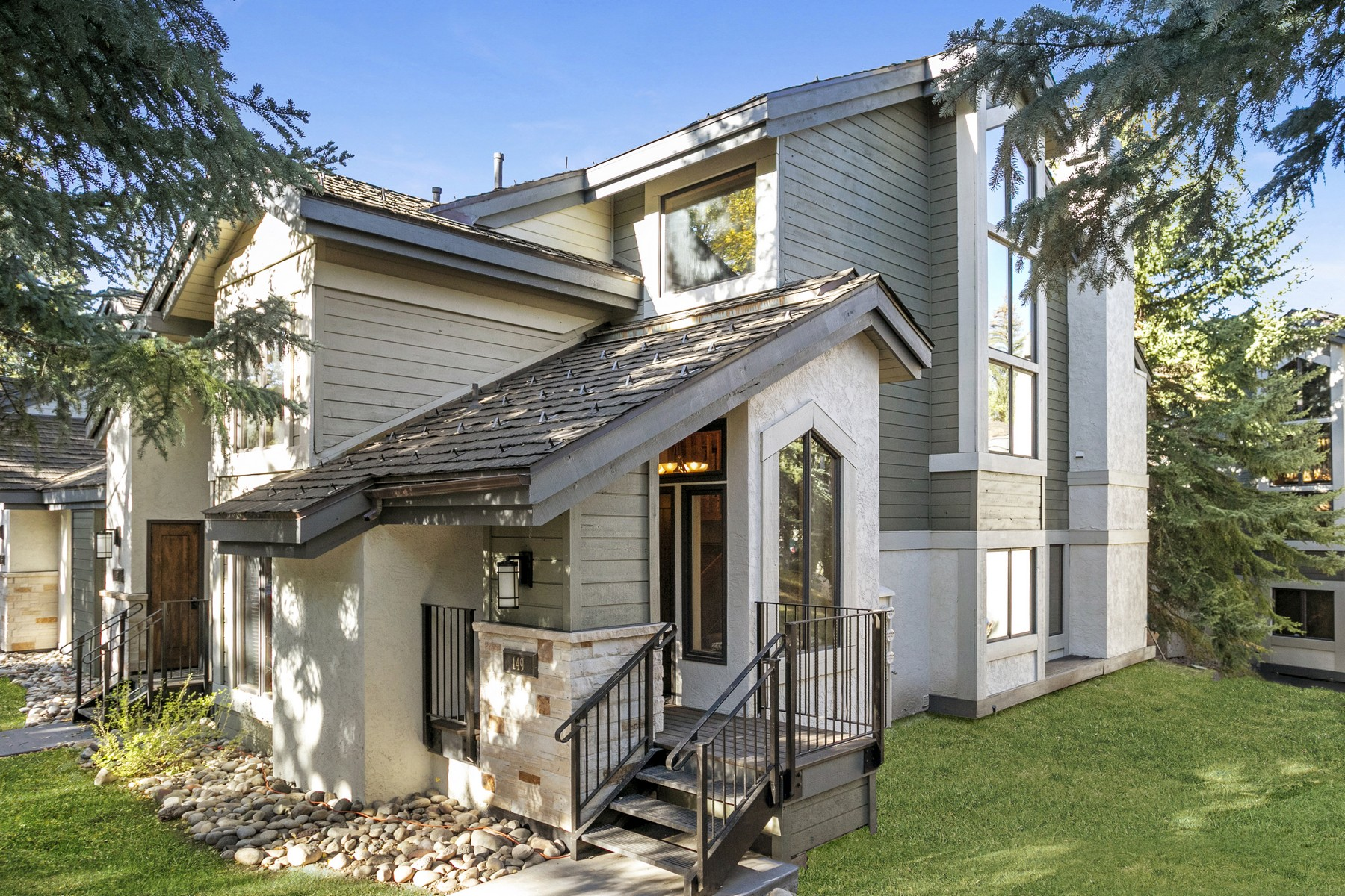 Townhouse for Active at Ridgepoint #149 149 Willis Place #149 Beaver Creek, Colorado 81620 United States