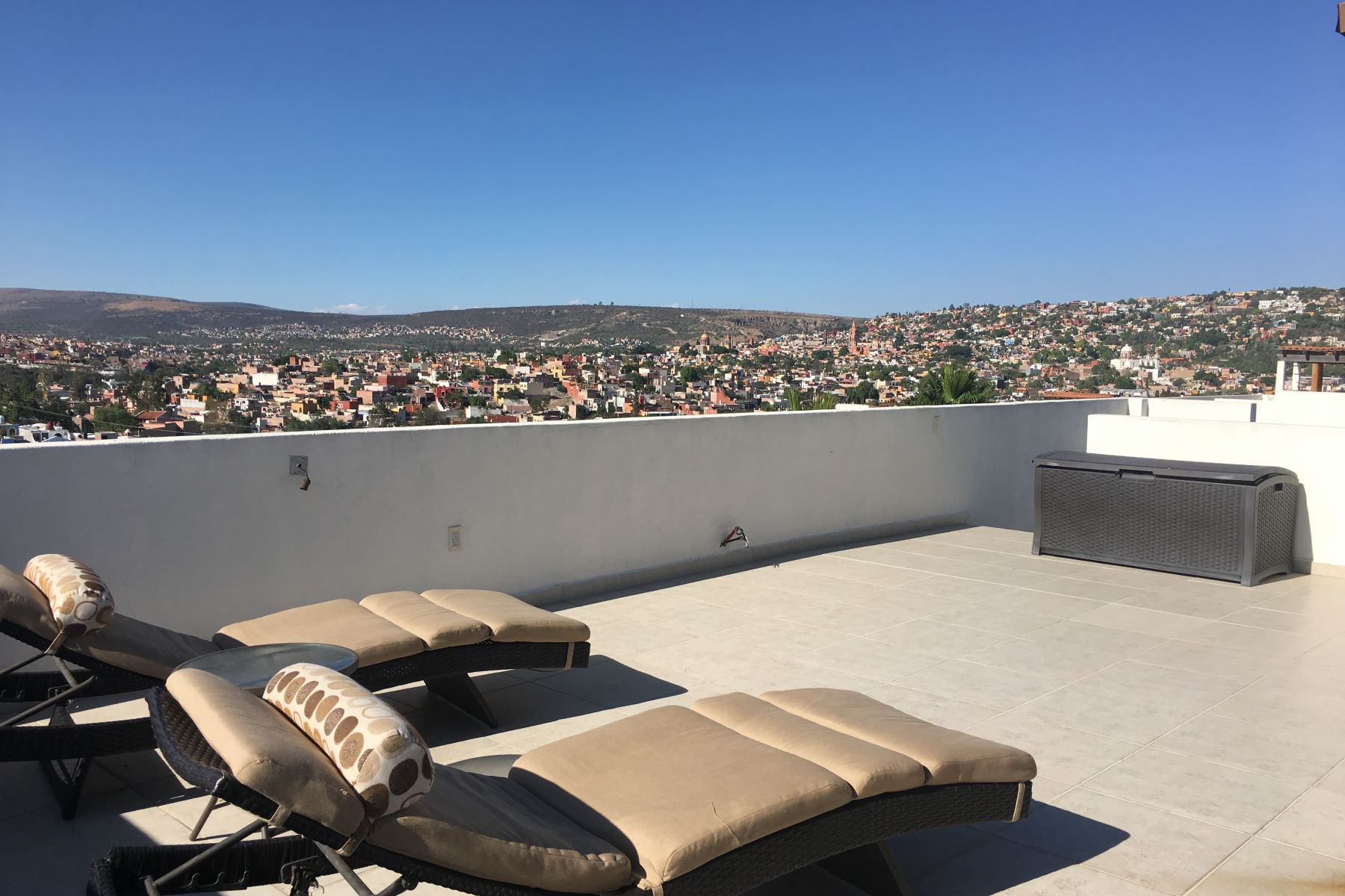 Additional photo for property listing at VISTA MAGNA Vista Magna Unit 30 San Miguel De Allende, Guanajuato 37755 Mexico