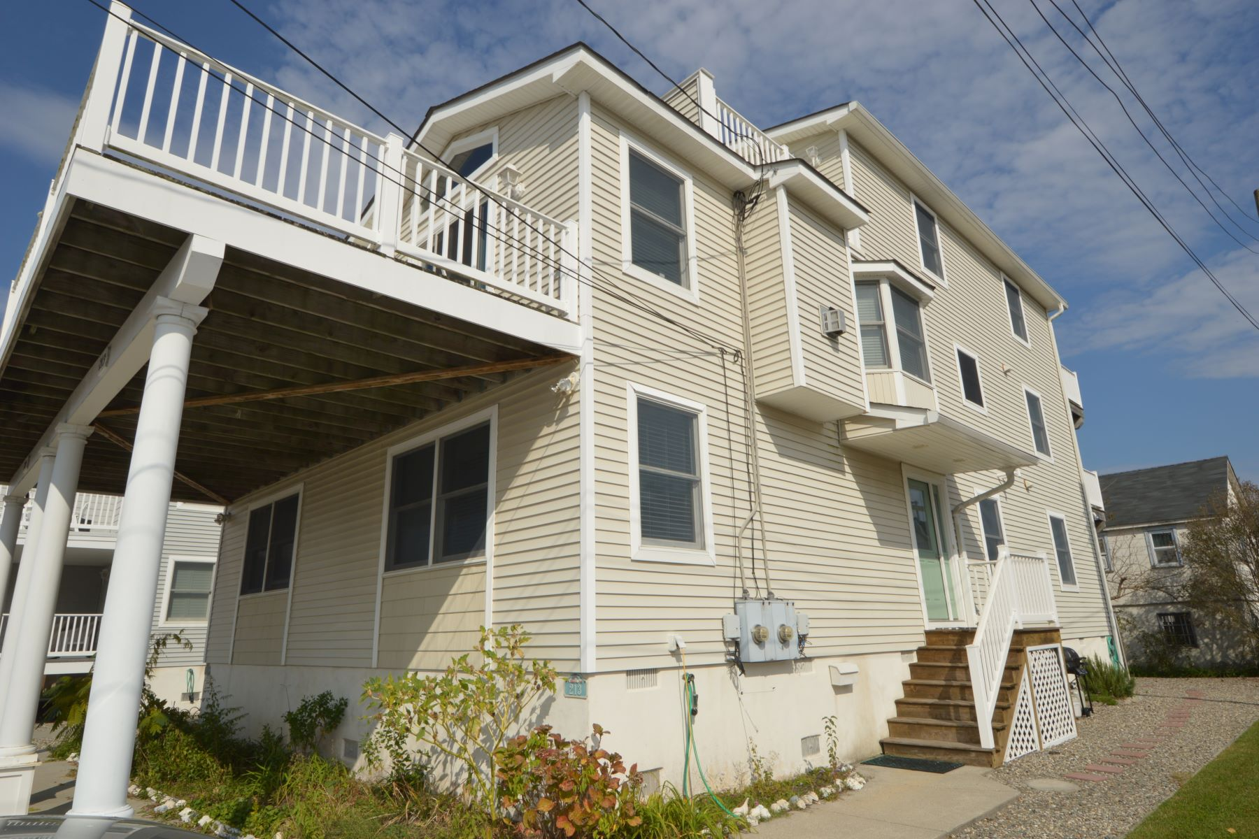 Duplex for Rent at Expansive Beach Townhouse 213 34th Street, Avalon, New Jersey 08202 United States