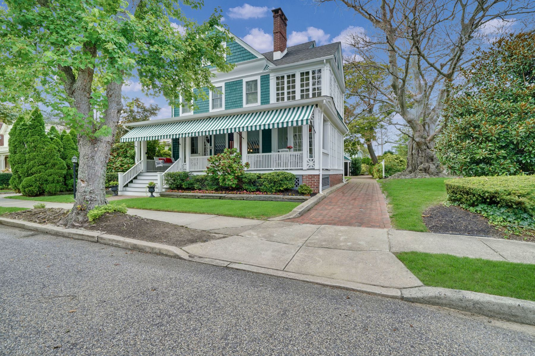 Single Family Homes for Sale at Seashore Colonial 206 Brighton Avenue Spring Lake, New Jersey 07762 United States