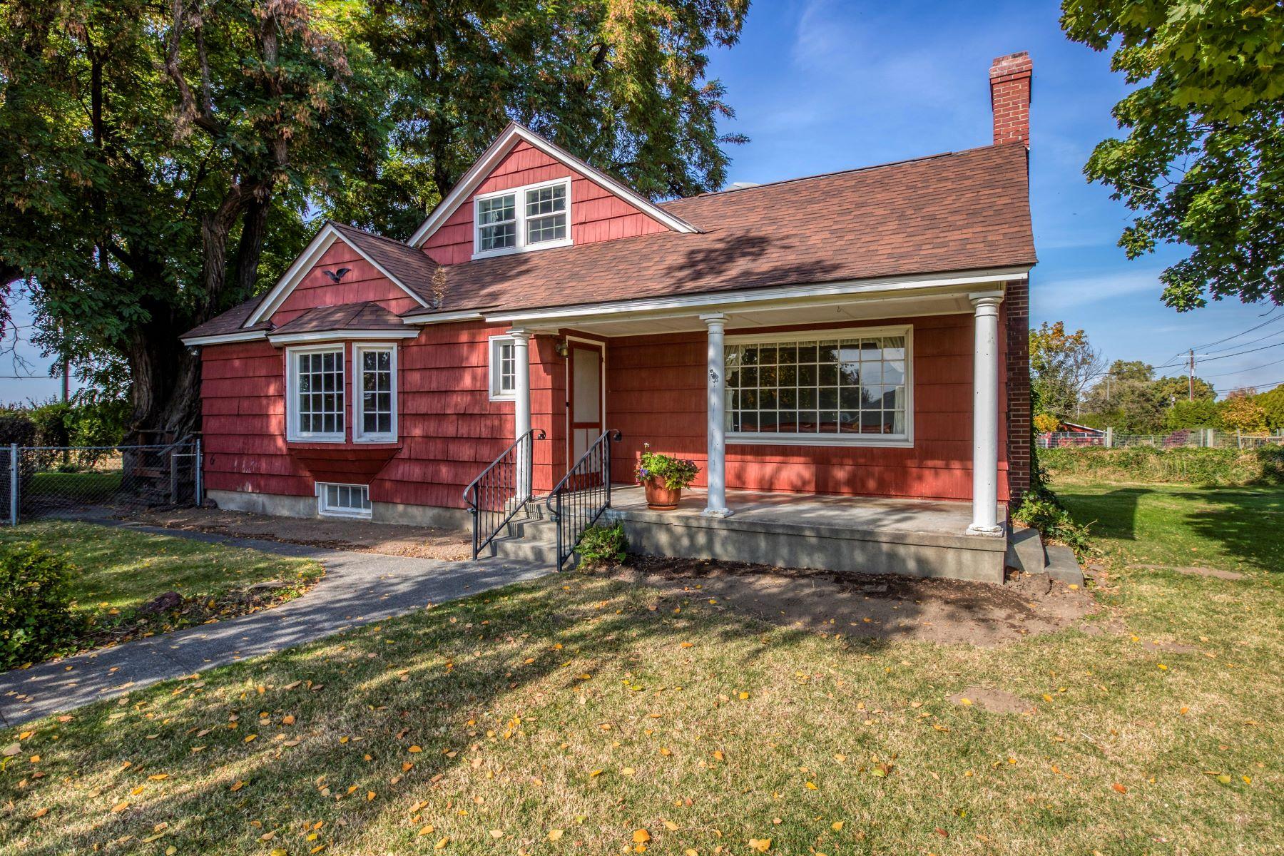 Single Family Homes for Sale at 1010 Highland Road Walla Walla, Washington 99362 United States
