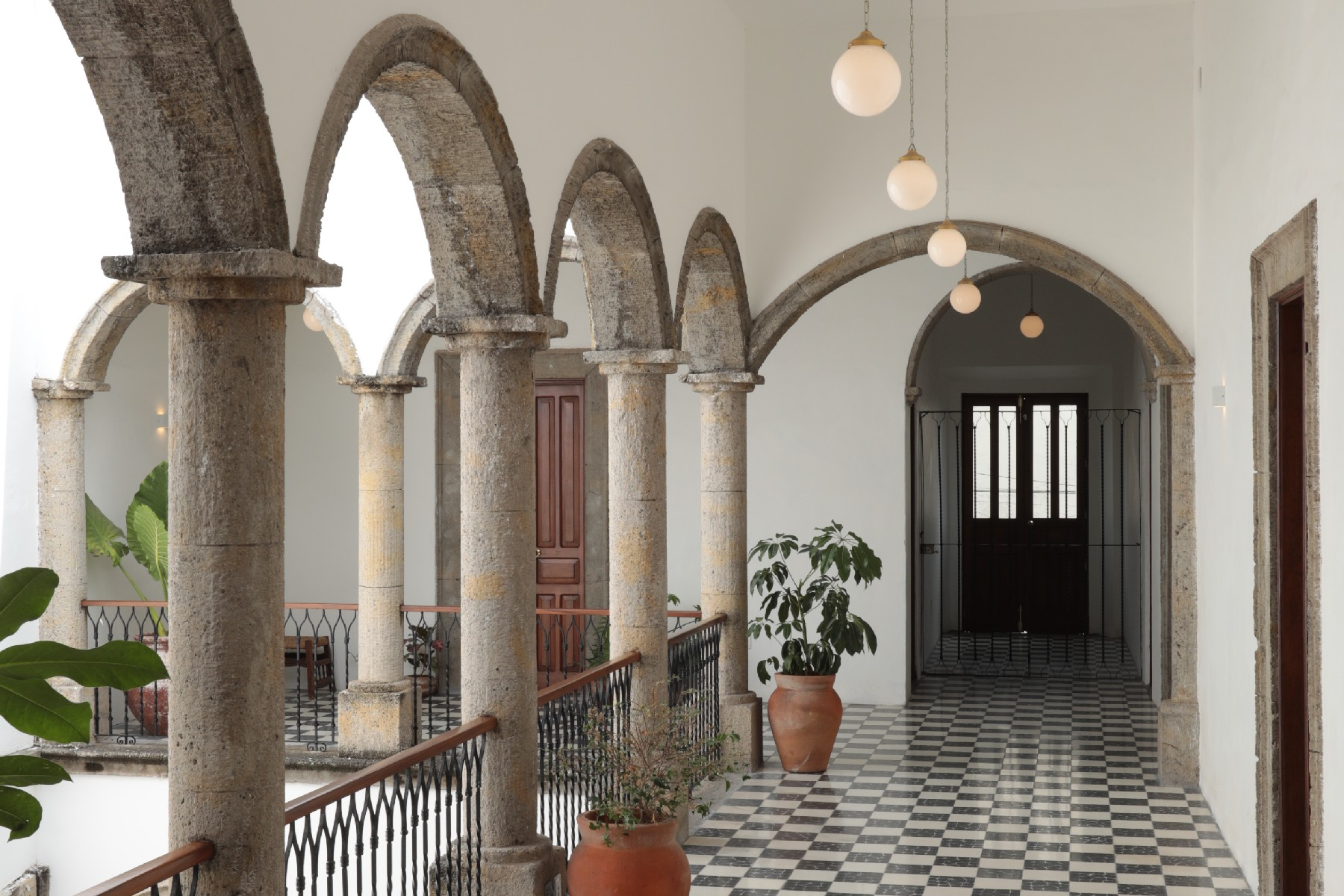 Single Family Homes 용 임대 에 Edificio Tradicional en el Centro en Renta Mariano Barcenas 31 Guadalajara, Jalisco 44100 멕시코