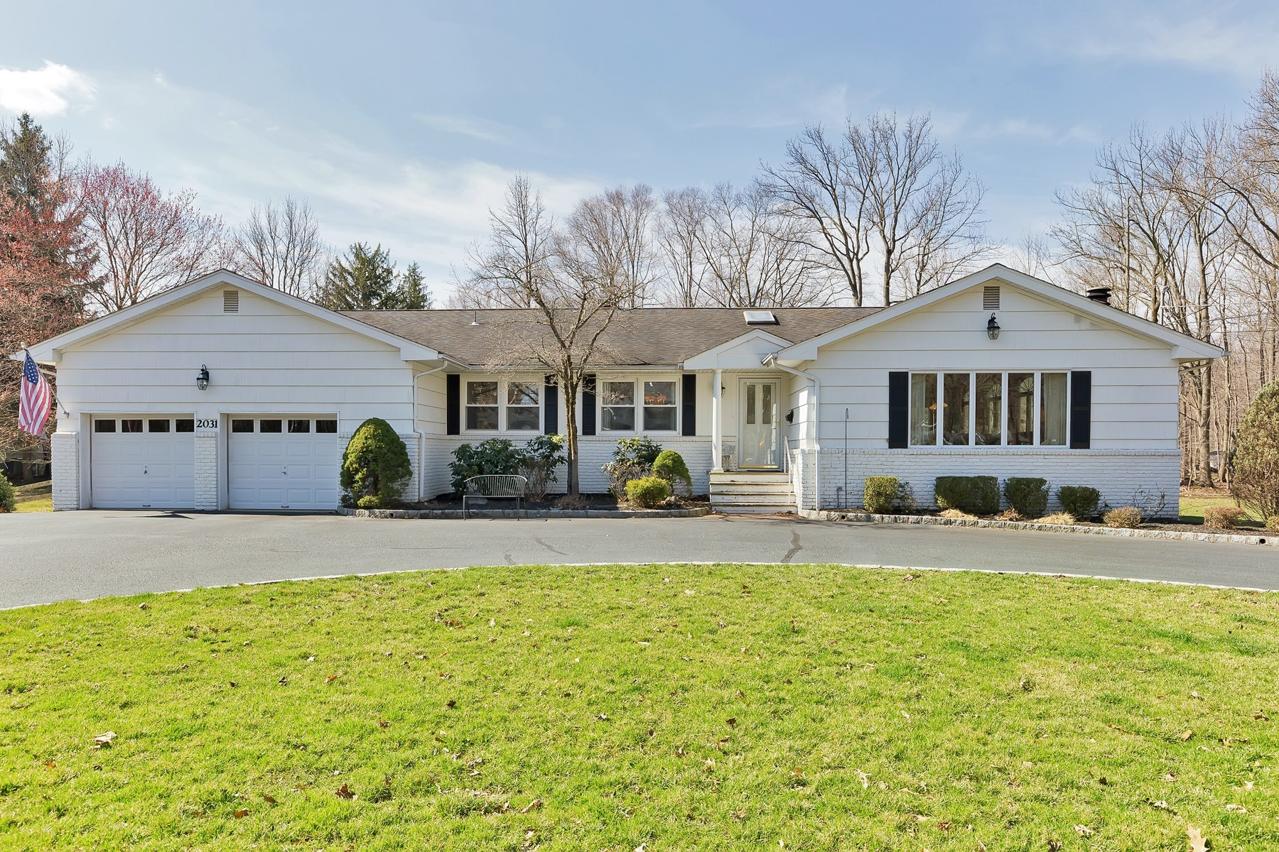 Single Family Homes for Sale at A Perfect Lifestyle Property To Treasure 2031 Winding Brook Way Scotch Plains, New Jersey 07076 United States