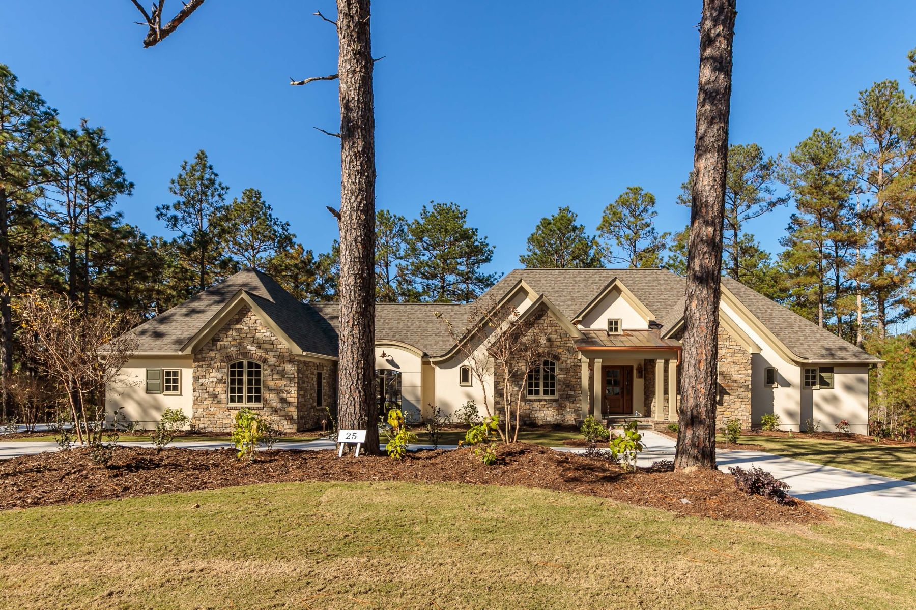 Single Family Home for Active at Exquisite Custom Built Home in Forest Creek 25 Elkton Dr. Pinehurst, North Carolina 28374 United States