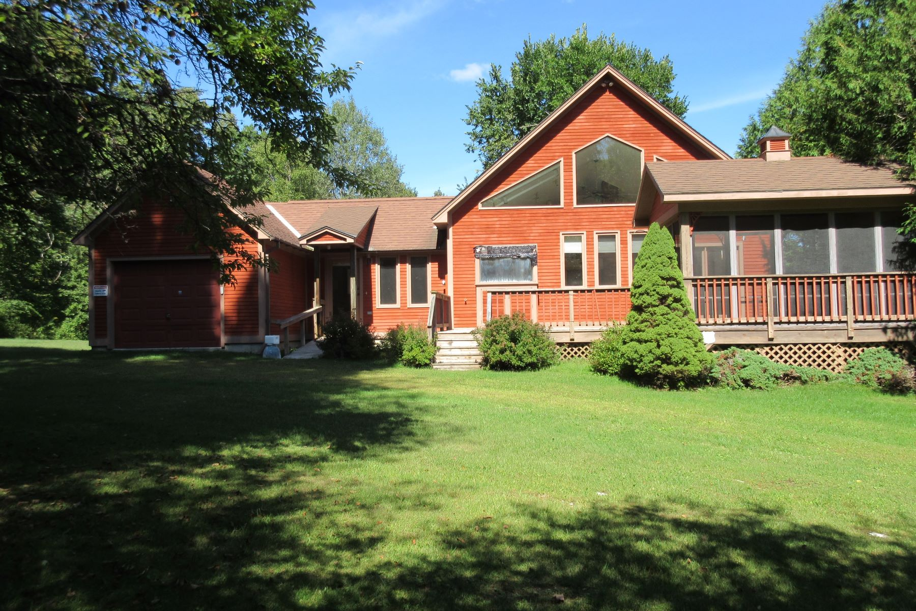 Single Family Homes for Sale at Artist's Contemporary home 1778 Fire Hill Rd Pittsford, Vermont 05763 United States