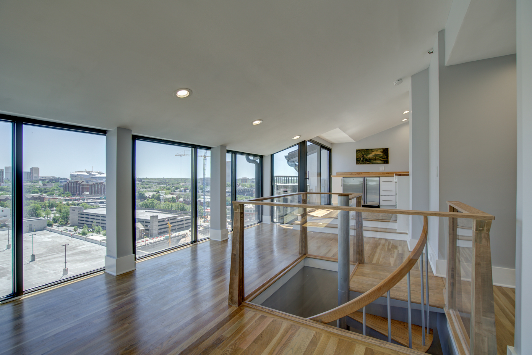 Condomínio para Venda às Exceptional Double Penthouse With Luxurious Living On Three Levels 30 5th Street NE Unit 1001 Atlanta, Geórgia 30308 Estados Unidos