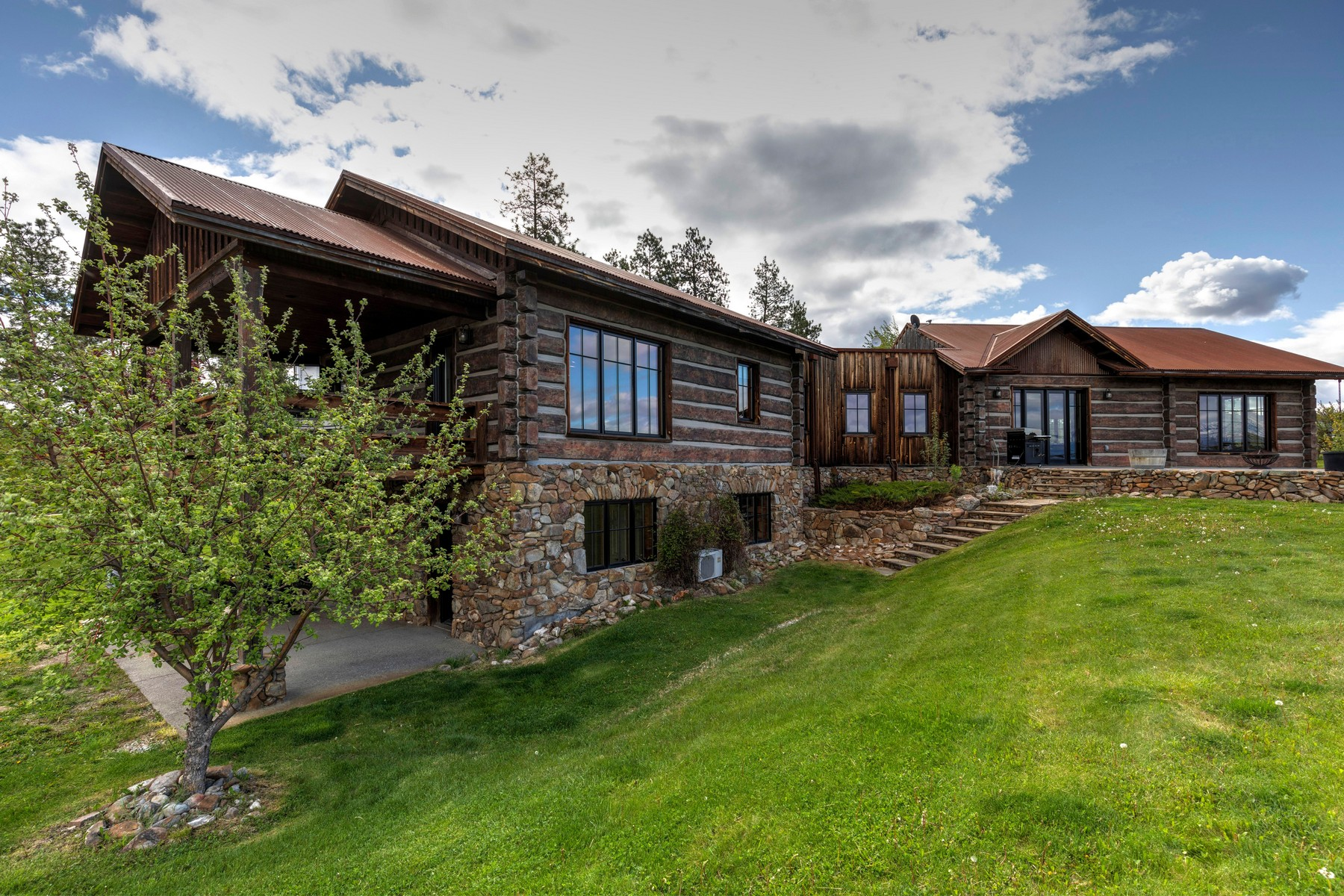 Single Family Homes for Sale at 852 South Sunset Bench Road Stevensville, Montana 59870 United States