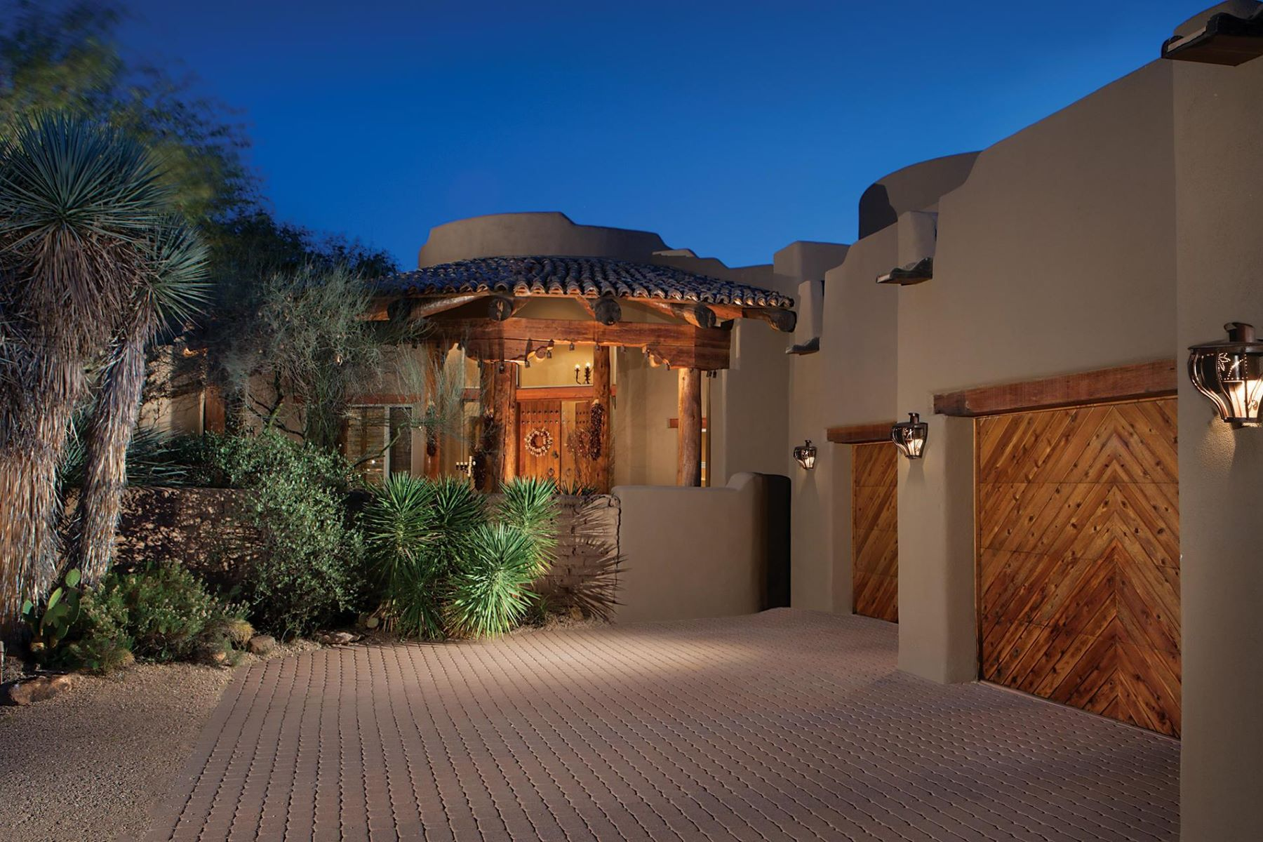 단독 가정 주택 용 매매 에 Enchanting Santa fe home in Sincuidados 8400 E Dixileta Dr 145, Scottsdale, 아리조나, 85266 미국
