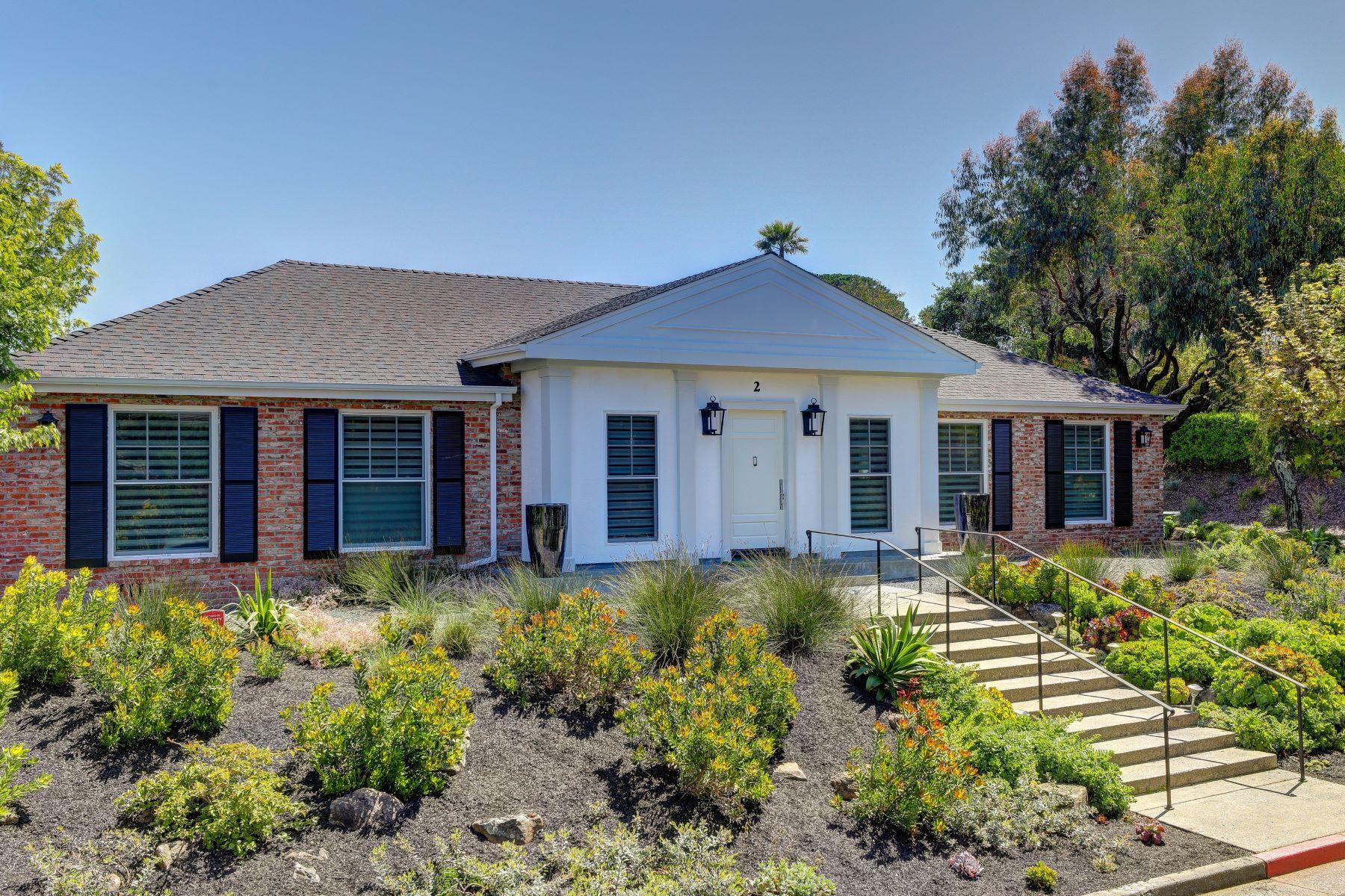 Einfamilienhaus für Verkauf beim Extensively Remodeled Stylish One-Level Home! 2 Southridge Drive Tiburon, Kalifornien, 94920 Vereinigte Staaten