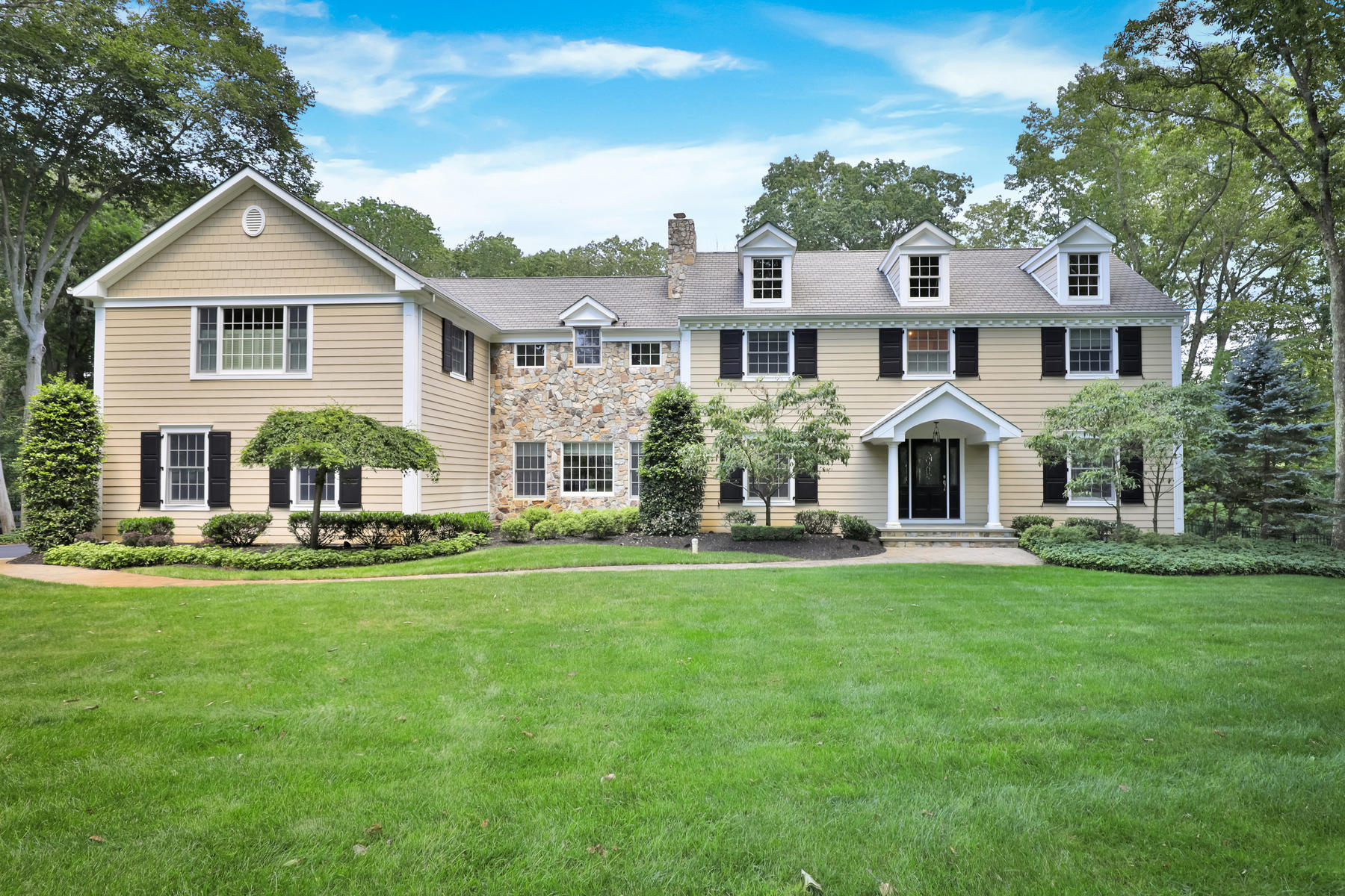 Single Family Homes for Sale at 8 Christopher Drive Colts Neck, New Jersey 07722 United States