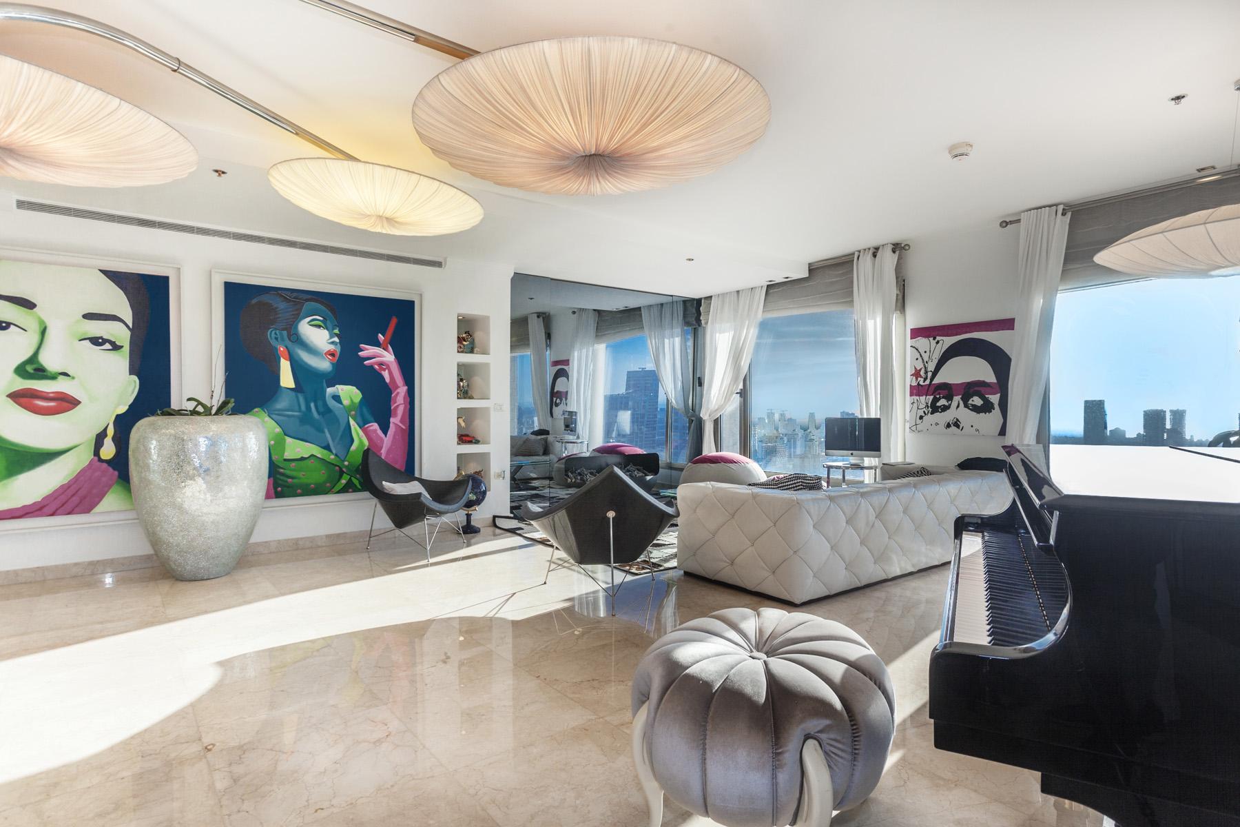 Appartement pour l Vente à Refined Luxury Apartment in Leonardo City Tower Ramat Gan, Israel Israël