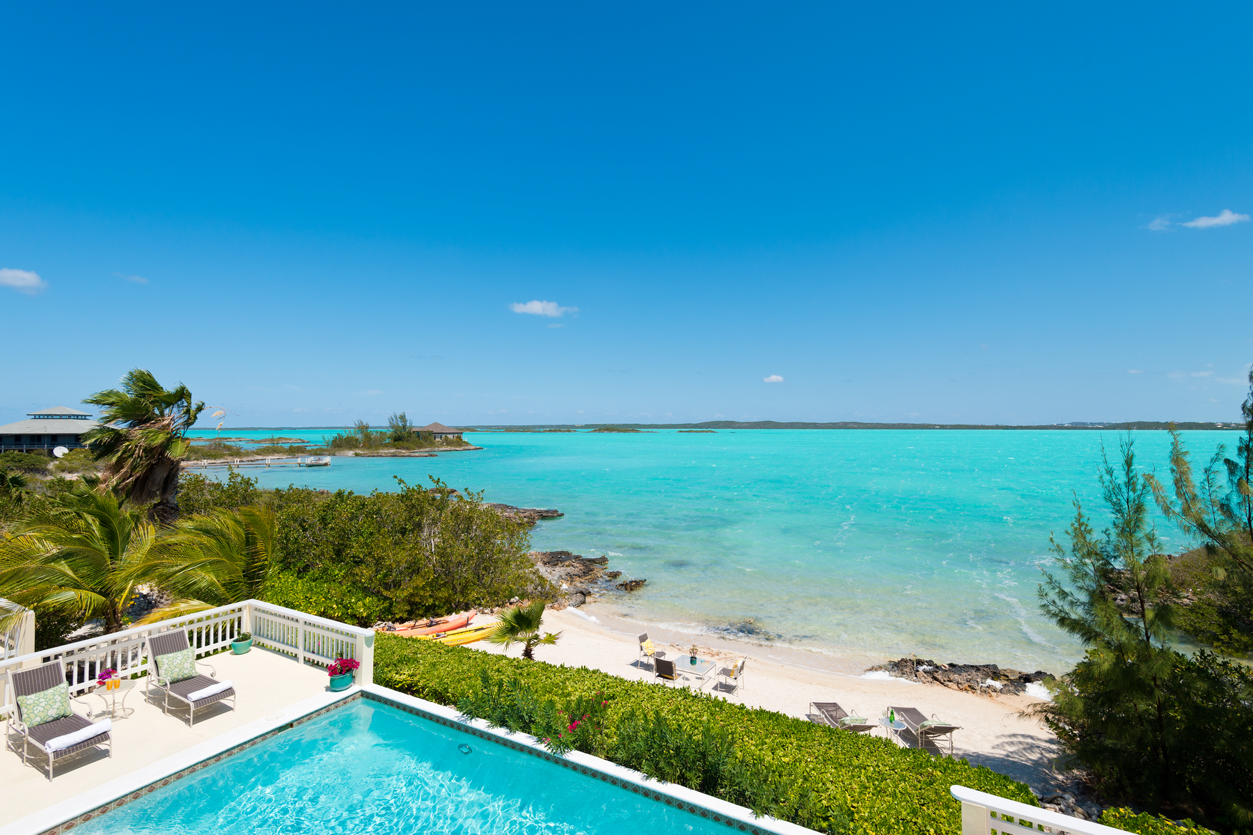 Additional photo for property listing at Bright Idea Villa Bright Idea Villa, Chalk Sound Drive Chalk Sound, Providenciales TKCA 1ZZ Islas Turcas Y Caicos