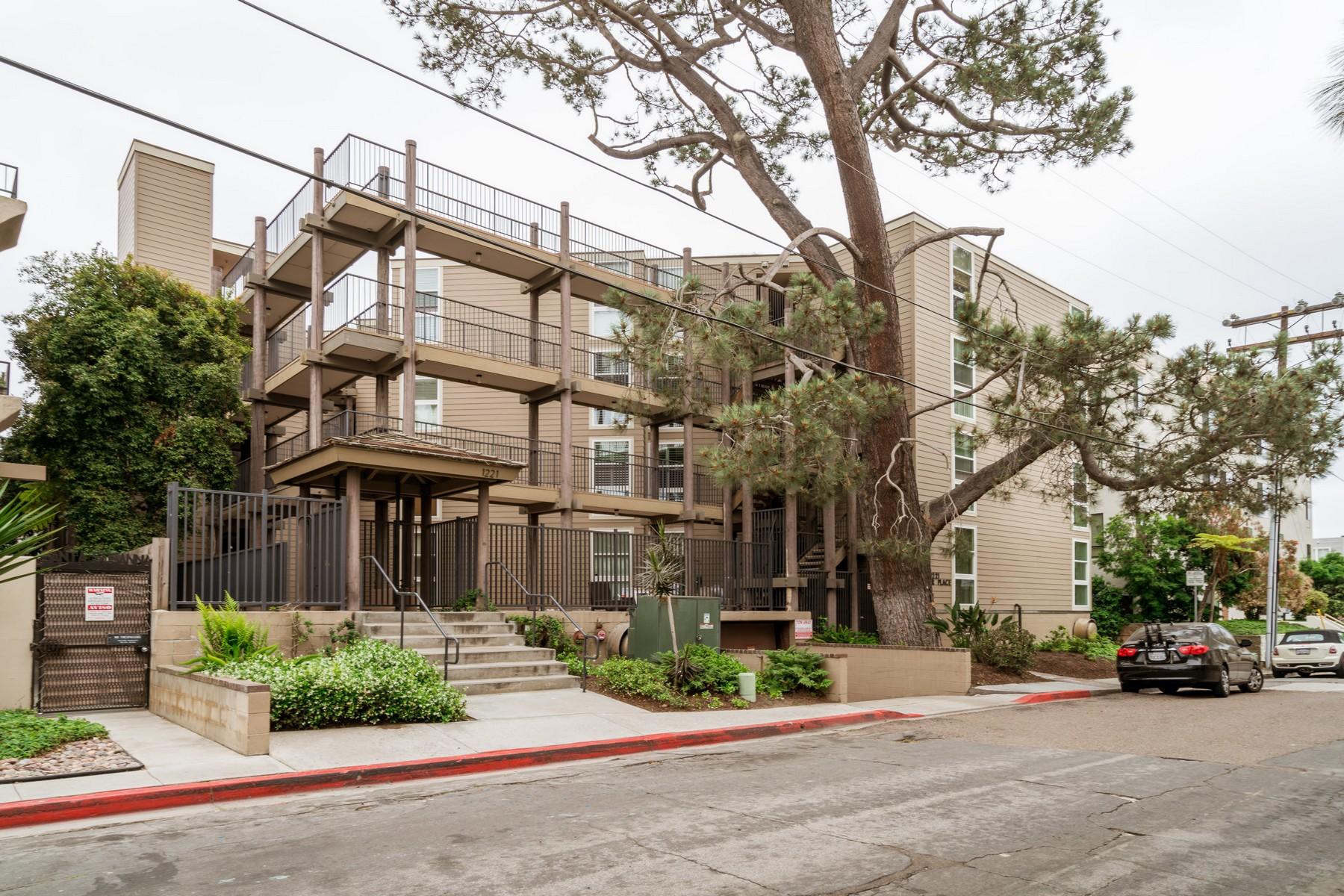 共管式独立产权公寓 为 销售 在 1221 Parker Place 1221 Parker Place #6 圣地亚哥, 加利福尼亚州, 92109 美国