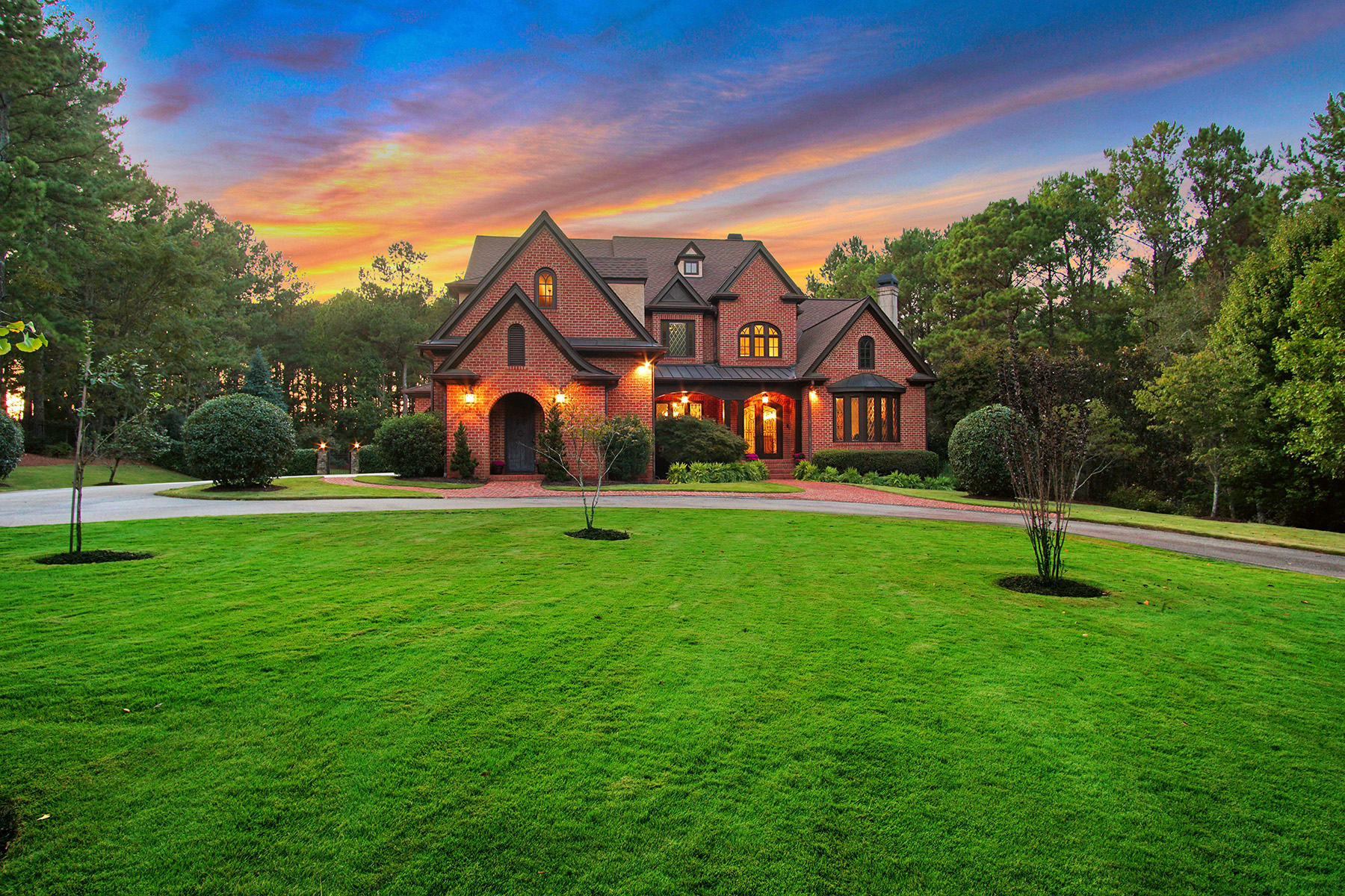 Single Family Homes for Sale at Elegant Custom Home In Crystal Hills 1070 Tulipwood Lane Athens, Georgia 30606 United States