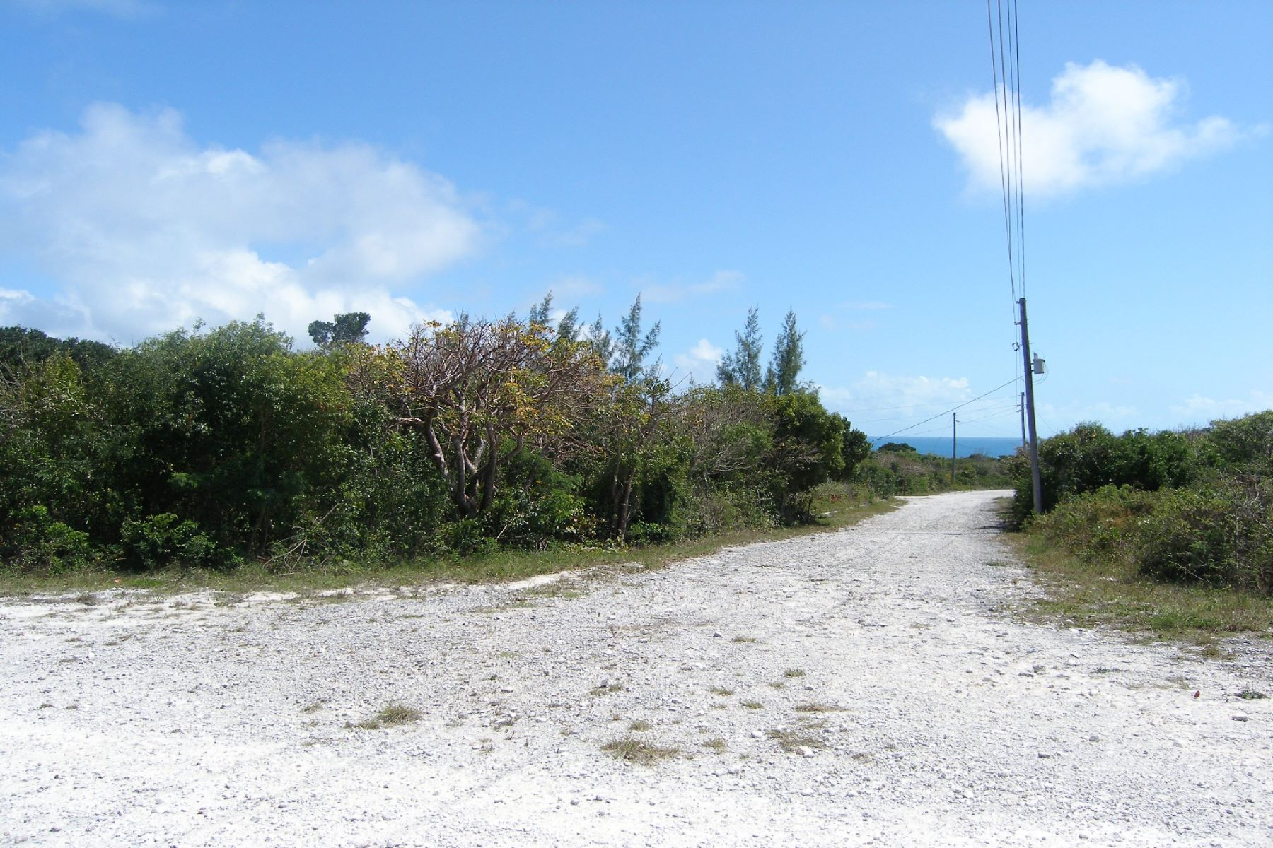 Đất đai vì Bán tại Elevated Over-sized Lot Rainbow Bay, Eleuthera Bahamas
