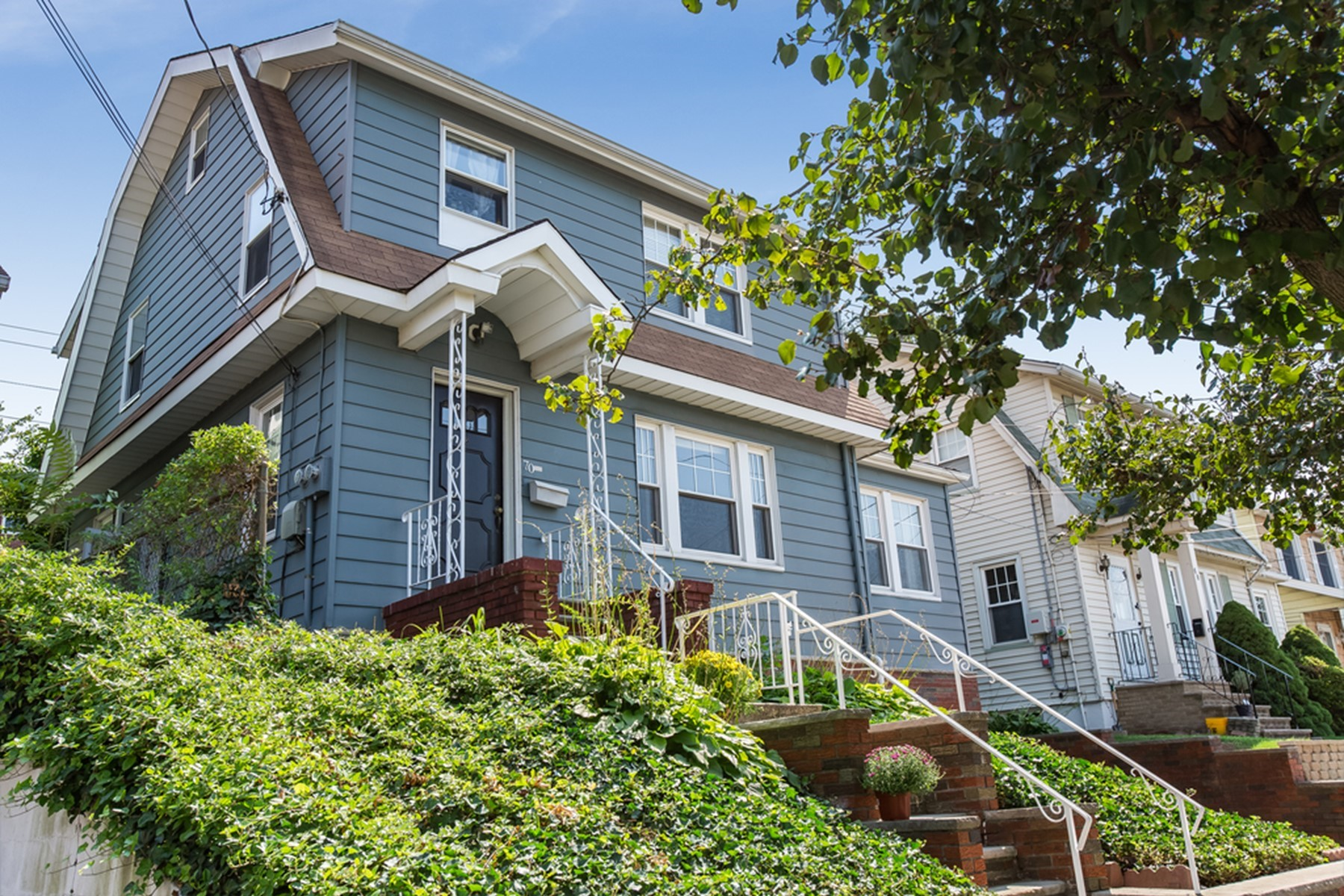 Multi-Family Homes for Sale at Updated Two-Family Colonial 70 Prospect Avenue North Arlington, New Jersey 07031 United States