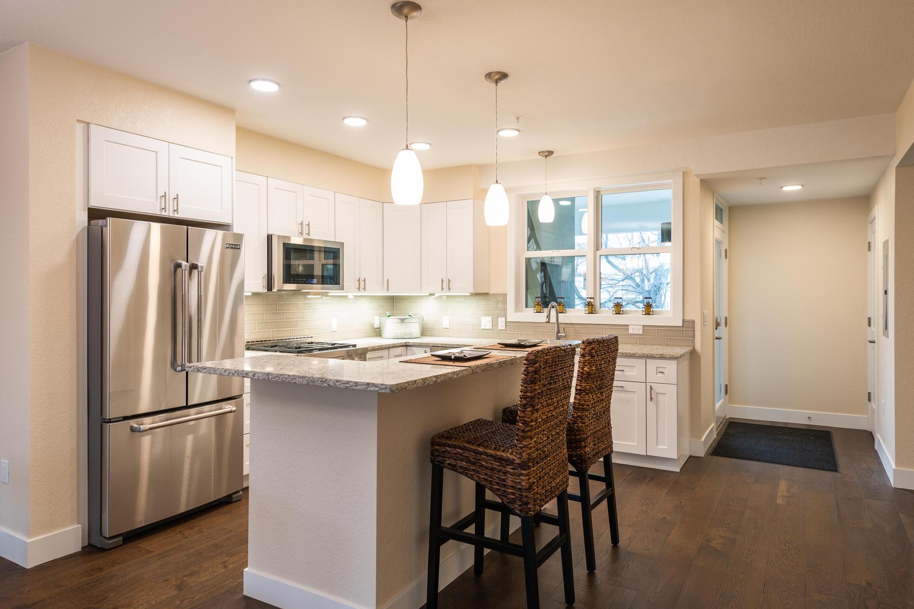 Additional photo for property listing at Washington Village Condo 2930 Broadway St 203 Boulder, Colorado 80304 United States