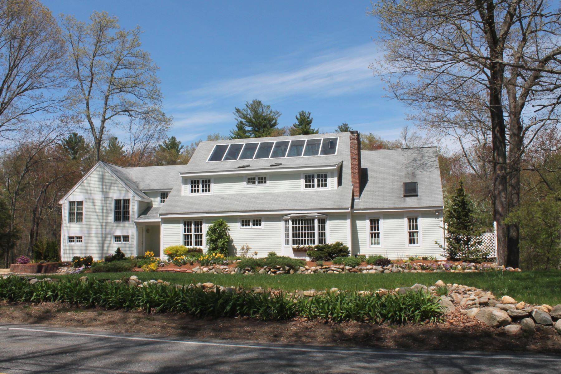 Maison unifamiliale pour l Vente à Equal parts location, light, sustainability. 117 Lincoln Road Lincoln, Massachusetts, 01773 États-Unis