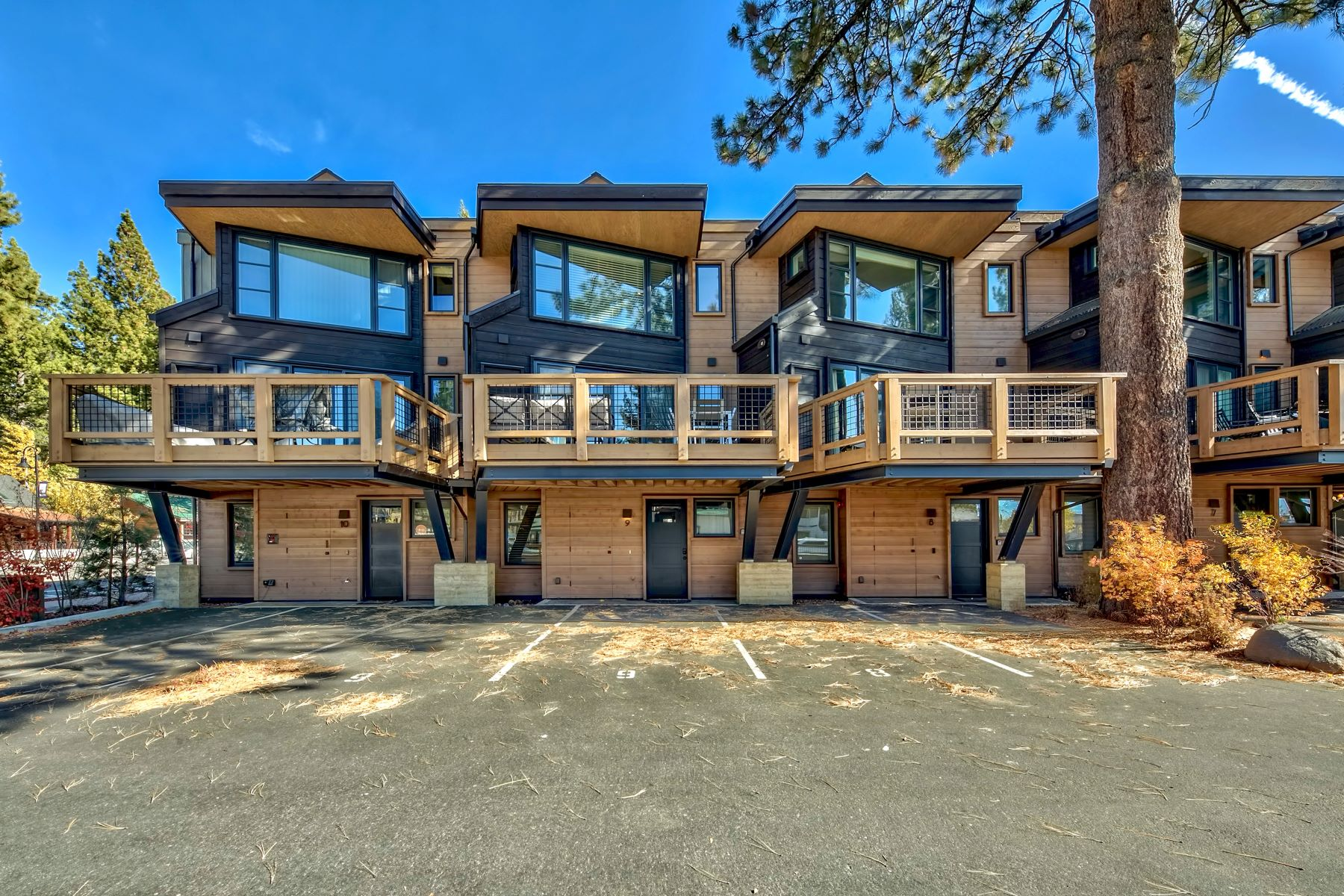 Additional photo for property listing at 8308 N Lake Blvd, Unit 9, Kings Beach CA 96143 8308 North Lake Blvd. #9 Kings Beach, California 96143 United States