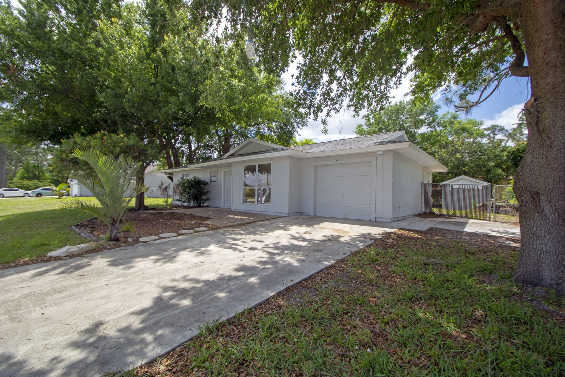 Single Family Home for Sale at Cozy Home on a Beautiful Street 3450 SW Englewood St Port St. Lucie, Florida 34953 United States