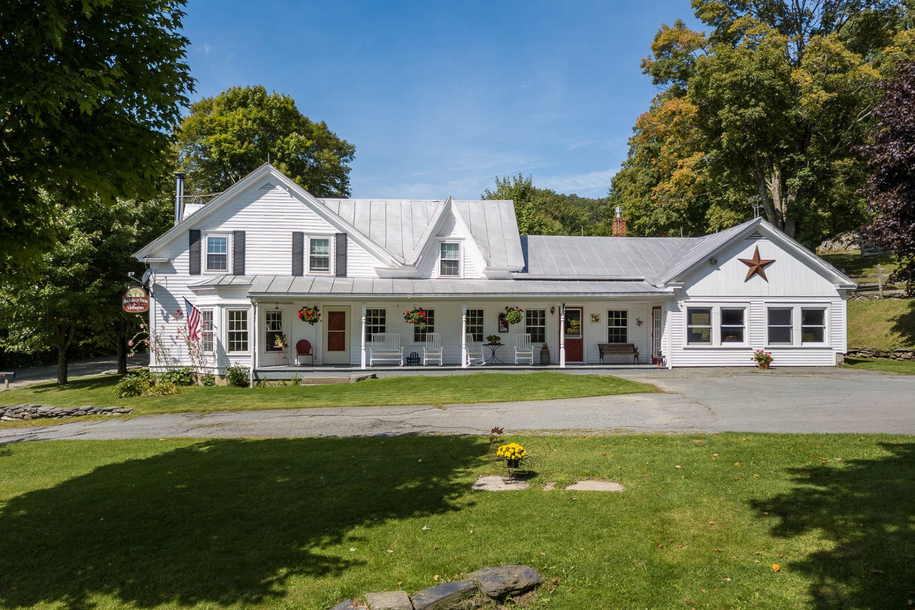 Single Family Homes for Sale at 560 Daniels Farm Road, Waterford 560 Daniels Farm Rd Waterford, Vermont 05819 United States