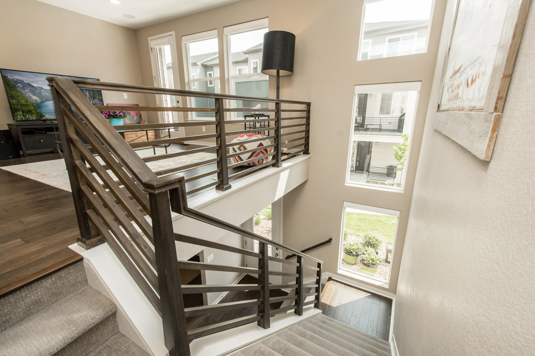 Additional photo for property listing at Beautifully appointed modern/contemporary 3 story in Littleton Village! 582 E Hinsdale Ave Littleton, Colorado 80122 United States
