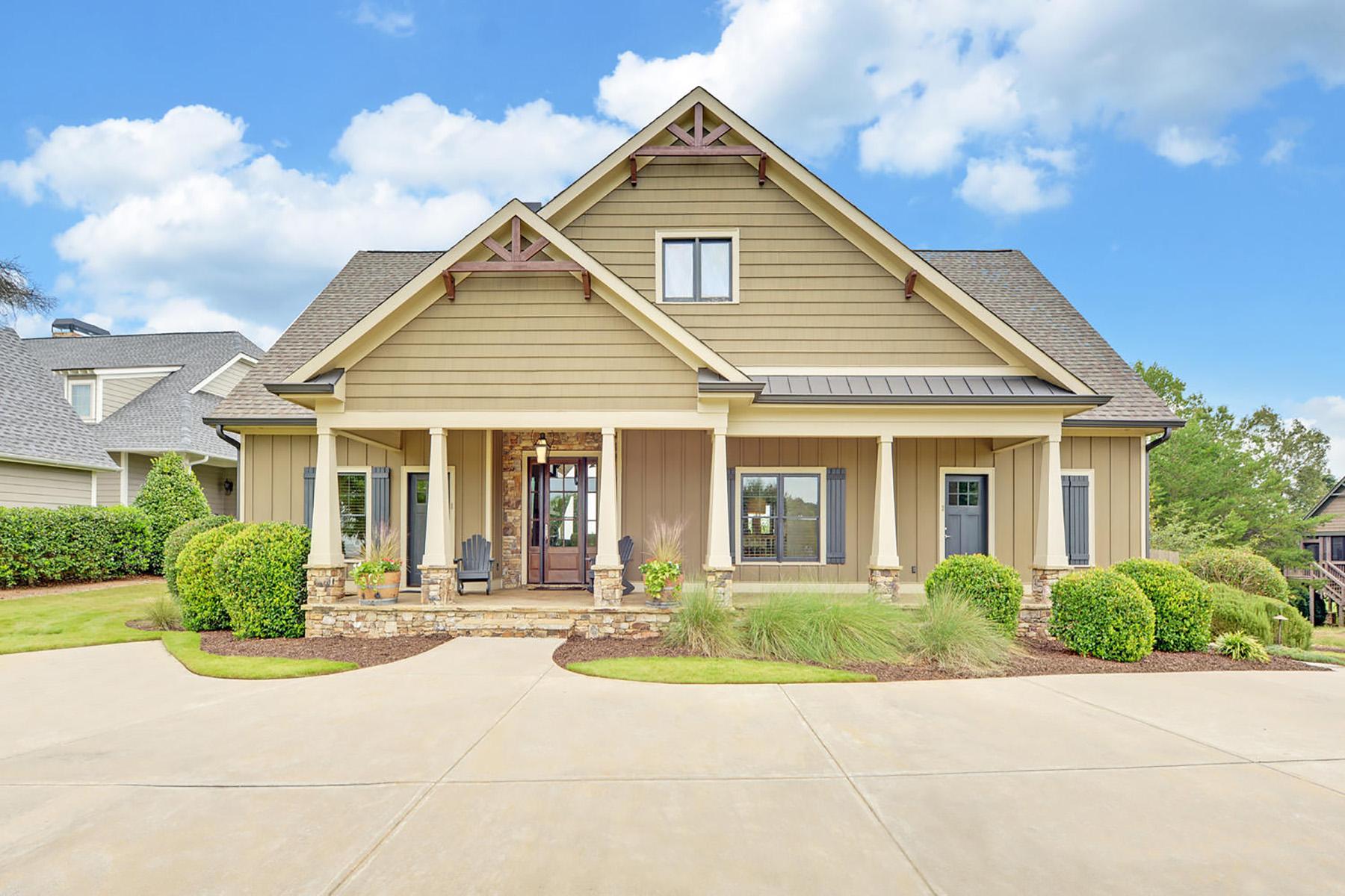 Single Family Homes for Sale at Lakeside Golf Retreat 65 Cottage Lane, Toccoa, Georgia 30577 United States