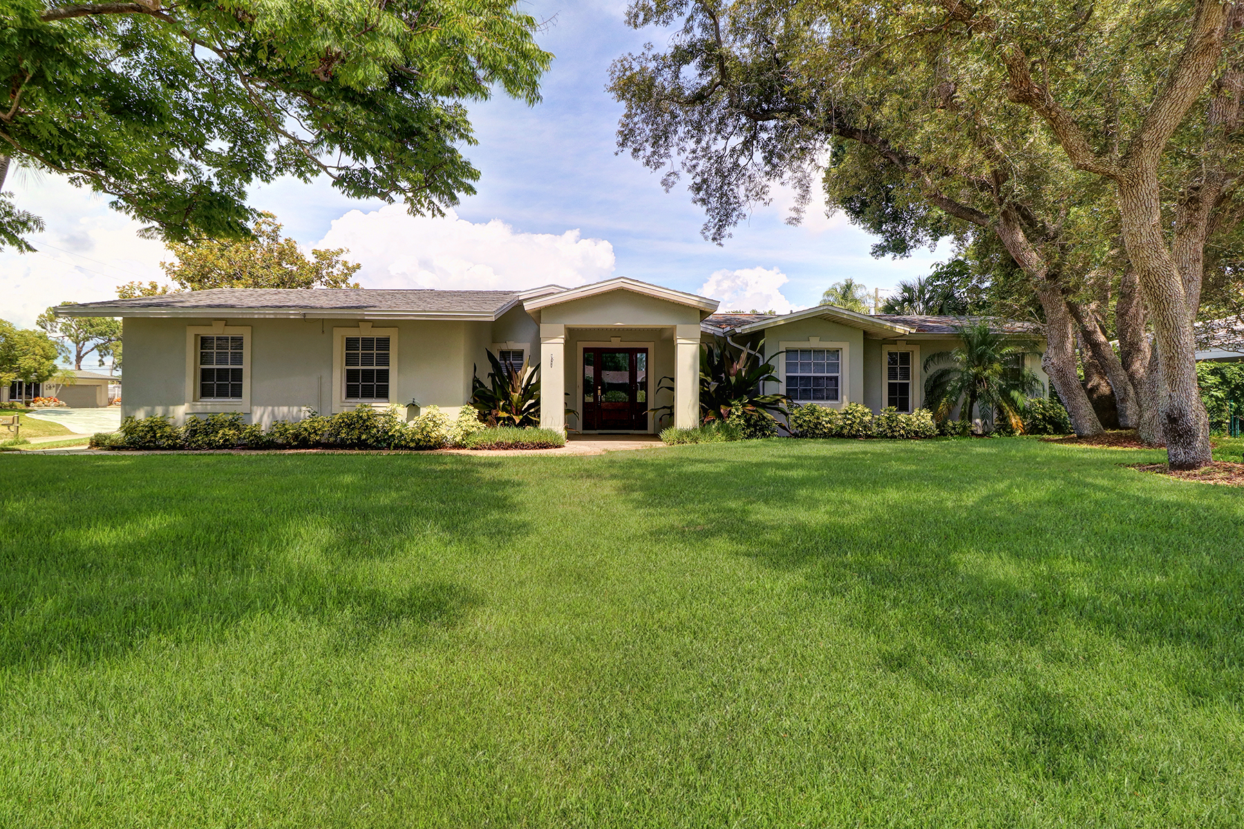 single family homes for Active at 203 Harbor Bluff Dr Largo, Florida 33770 United States