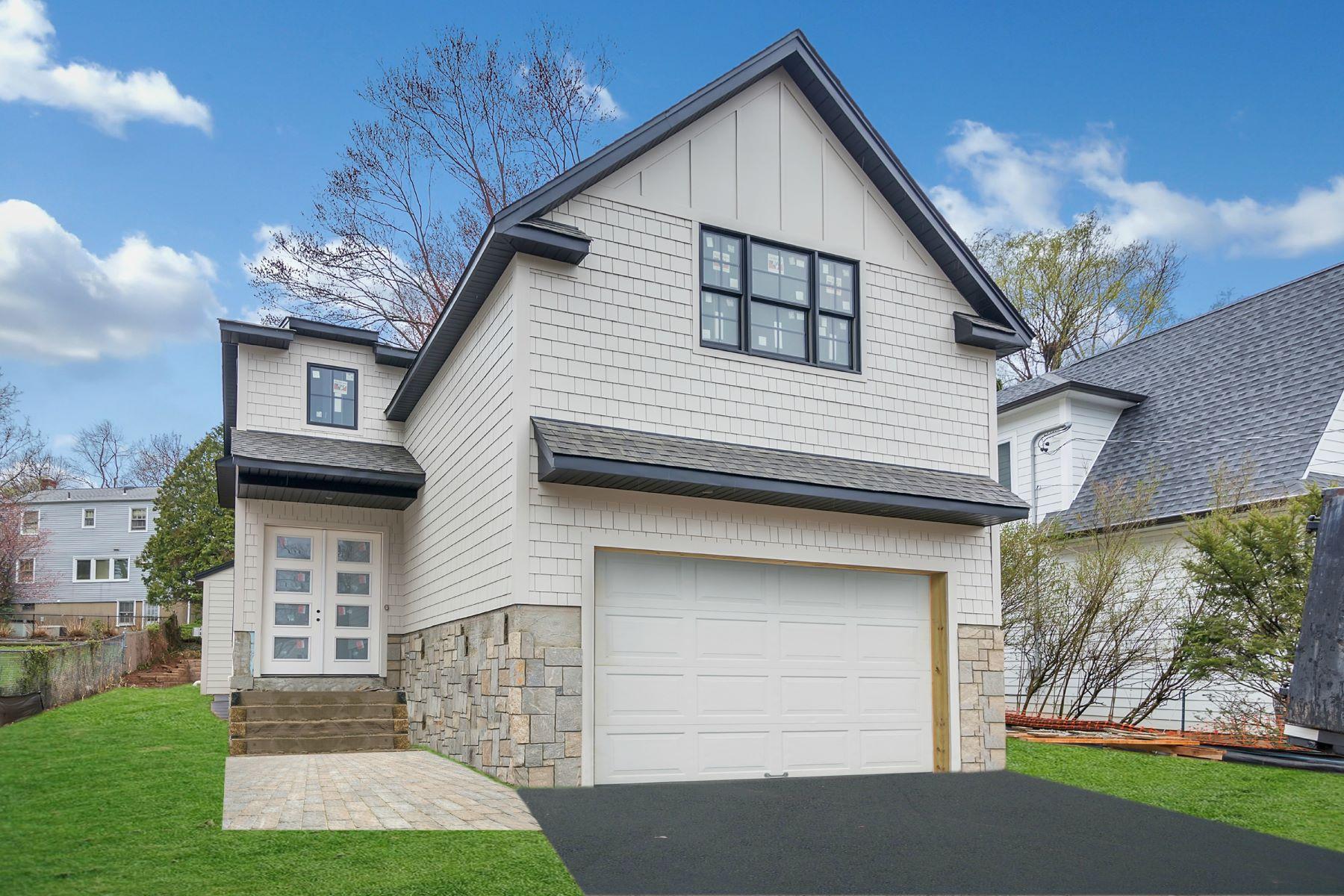 Частный односемейный дом для того Продажа на Stunning & Elegant New Construction! 13 Wight Place Tenafly, Нью-Джерси 07670 Соединенные Штаты