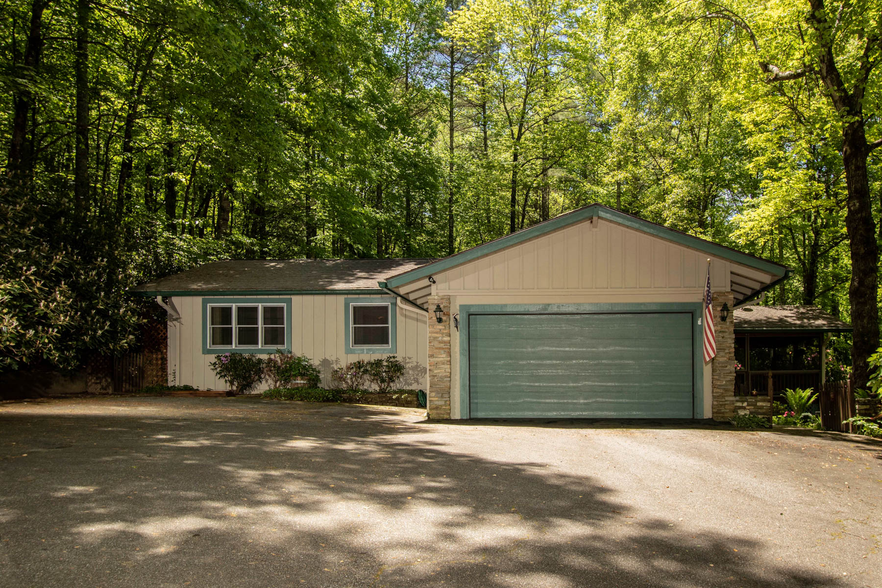 Single Family Homes for Active at 1434 Cherokee Trail Sapphire, North Carolina 28774 United States