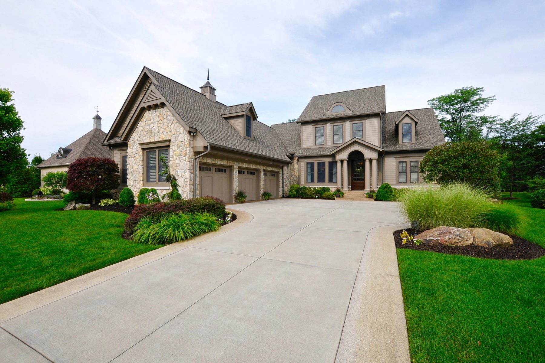 Vivienda unifamiliar por un Venta en Incredible Home on Golf Course 15486 Hidden Oaks Lane Carmel, Indiana, 46033 Estados Unidos