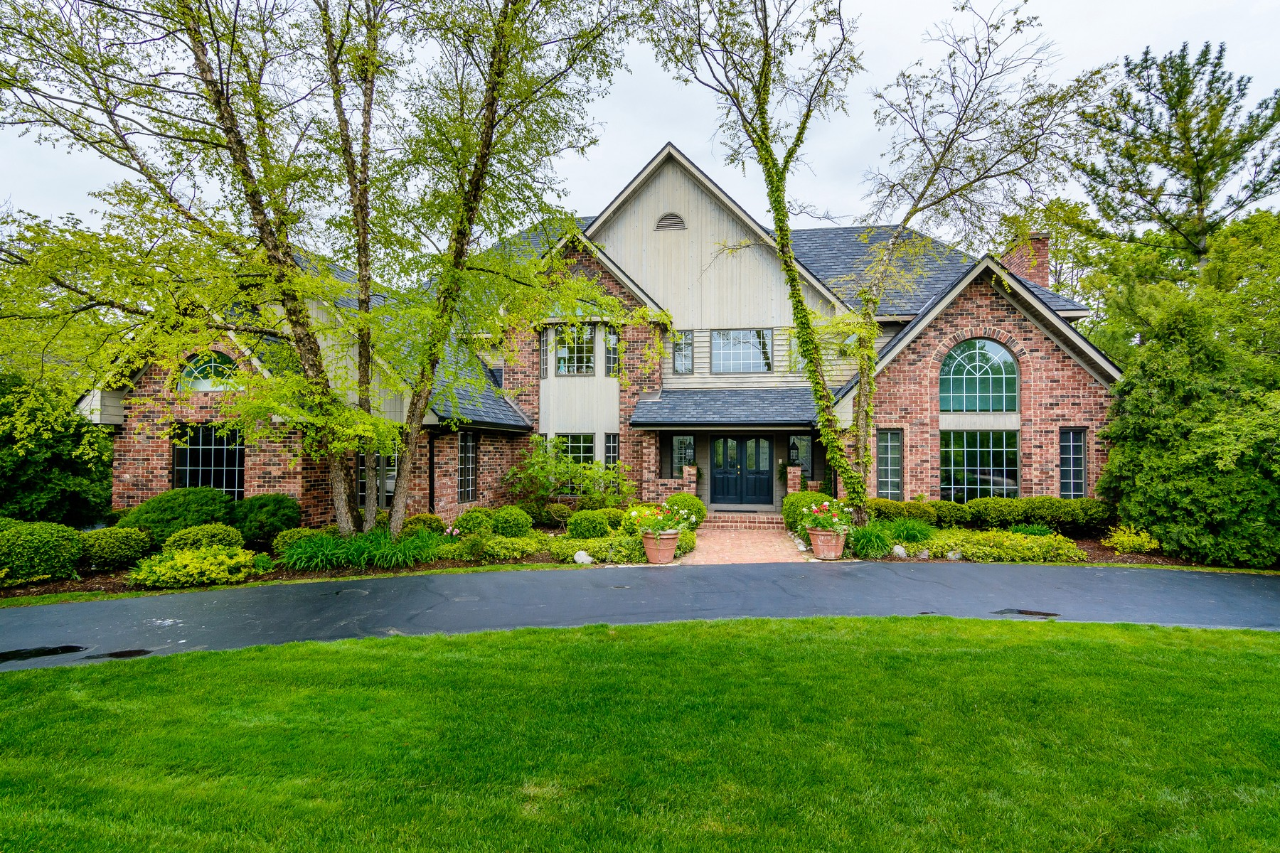 Villa per Vendita alle ore 15W330 60th. St. Burr Ridge, Illinois, 60527 Stati Uniti