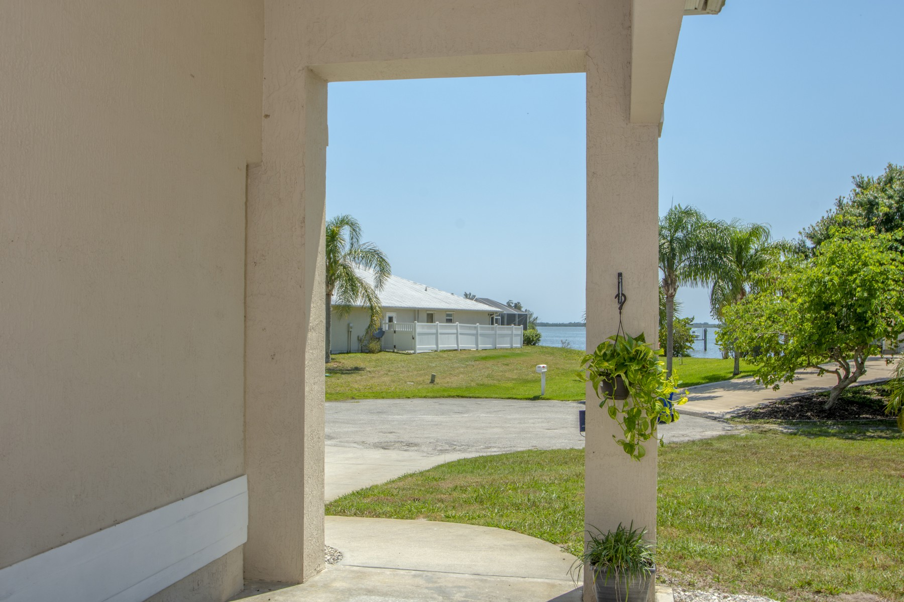 Additional photo for property listing at River Views From This Home on Tranqual Enclave 6215 109th Street Sebastian, Florida 32958 United States
